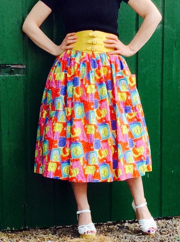 !950's retro print Vintage Skirt. Love the colours!