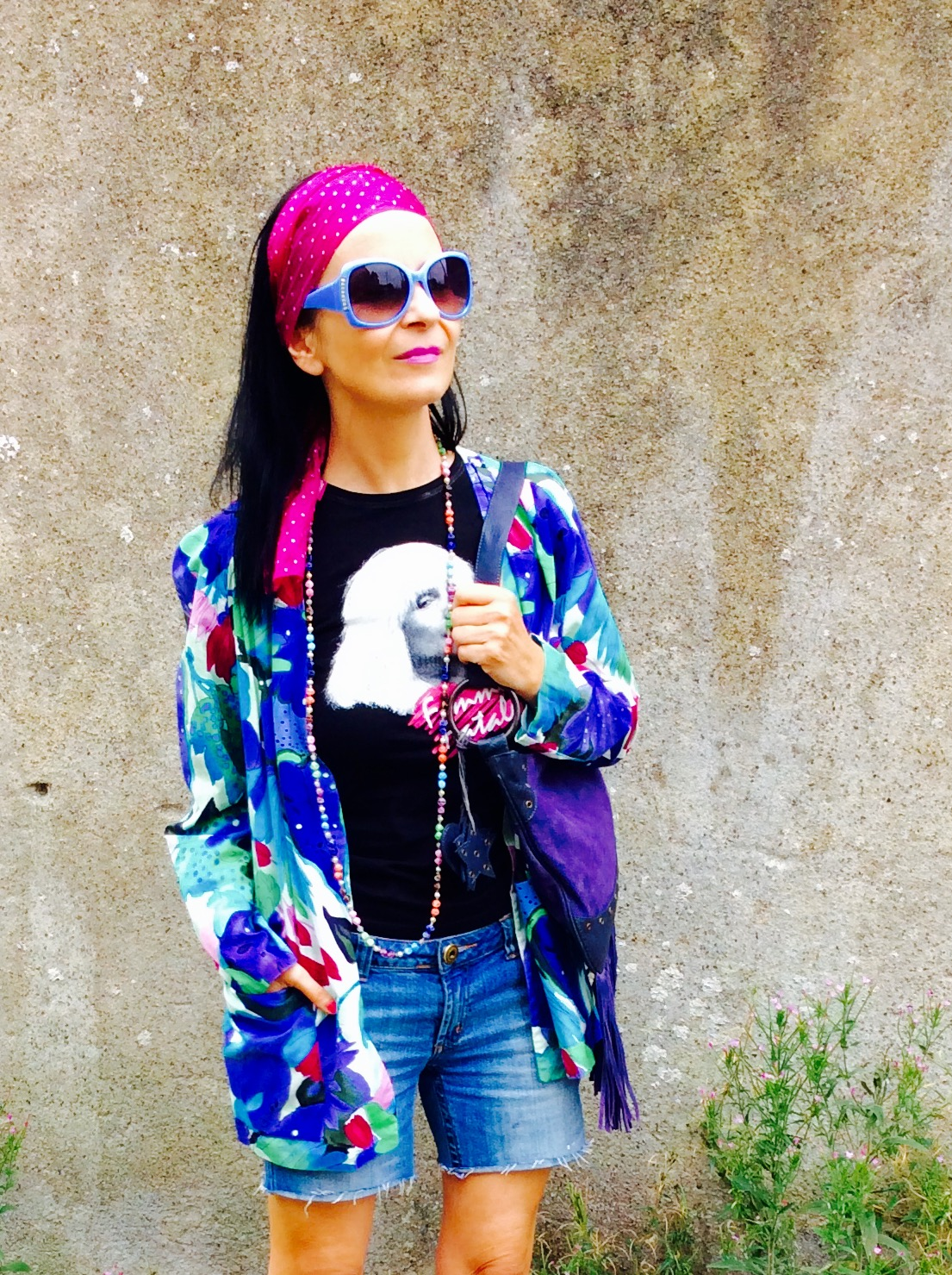vintage style 80's jacket gives this festival look an individual style!