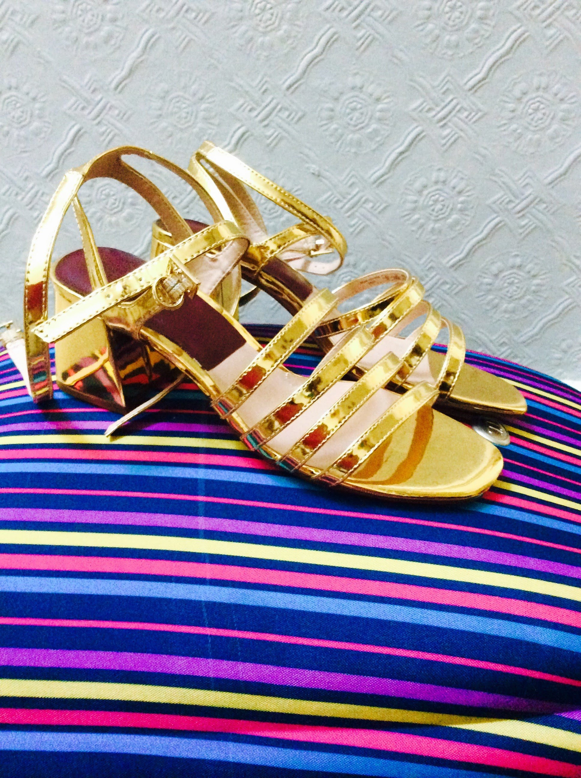 These Zara sandals were reduced from €39.95 to €9............!!!! Great purchase!