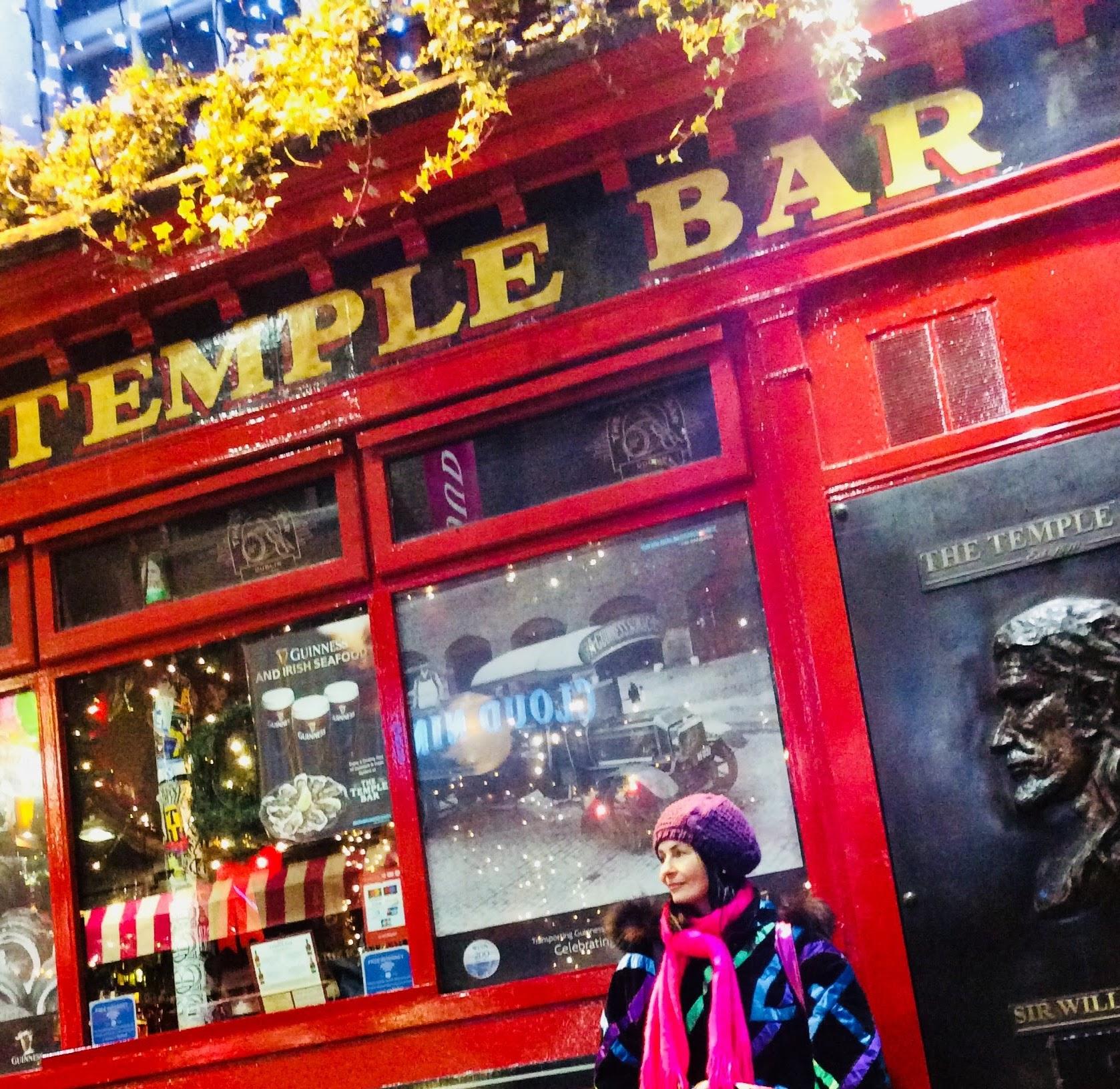 a rare tranquil moment down dublin's bohemian temple bar area. ootd a rare 80's vintage apres ski jacket.