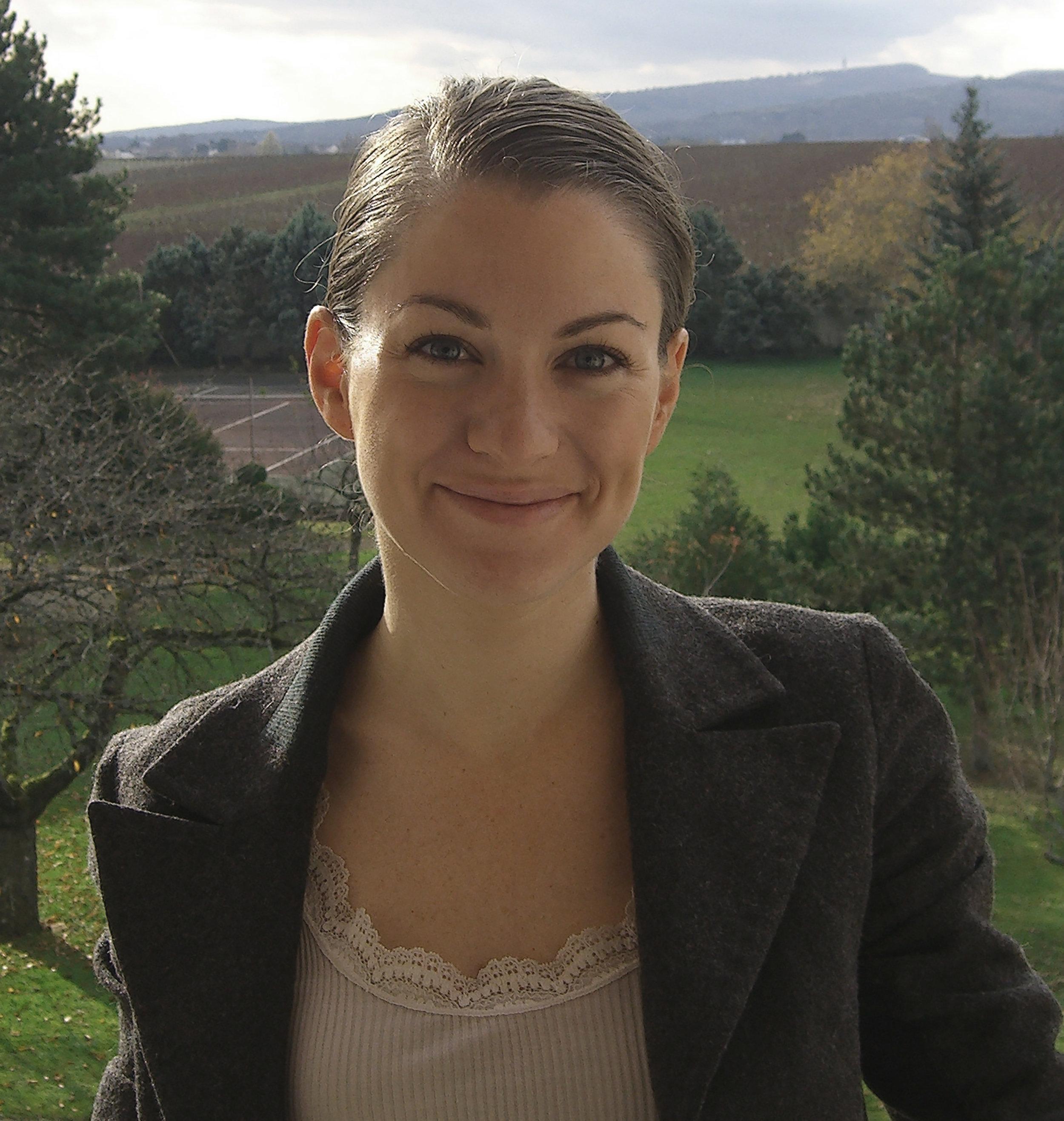 Jasmine Hirsch headshot_high.jpg