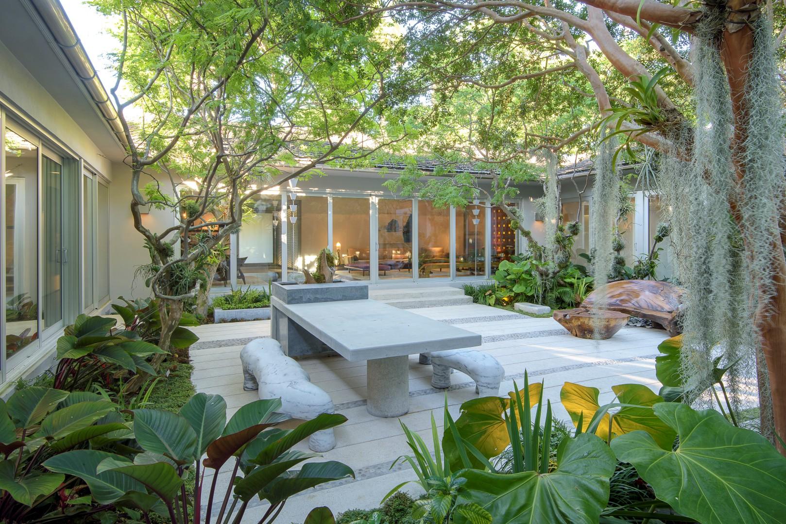 Miami beach modern -
