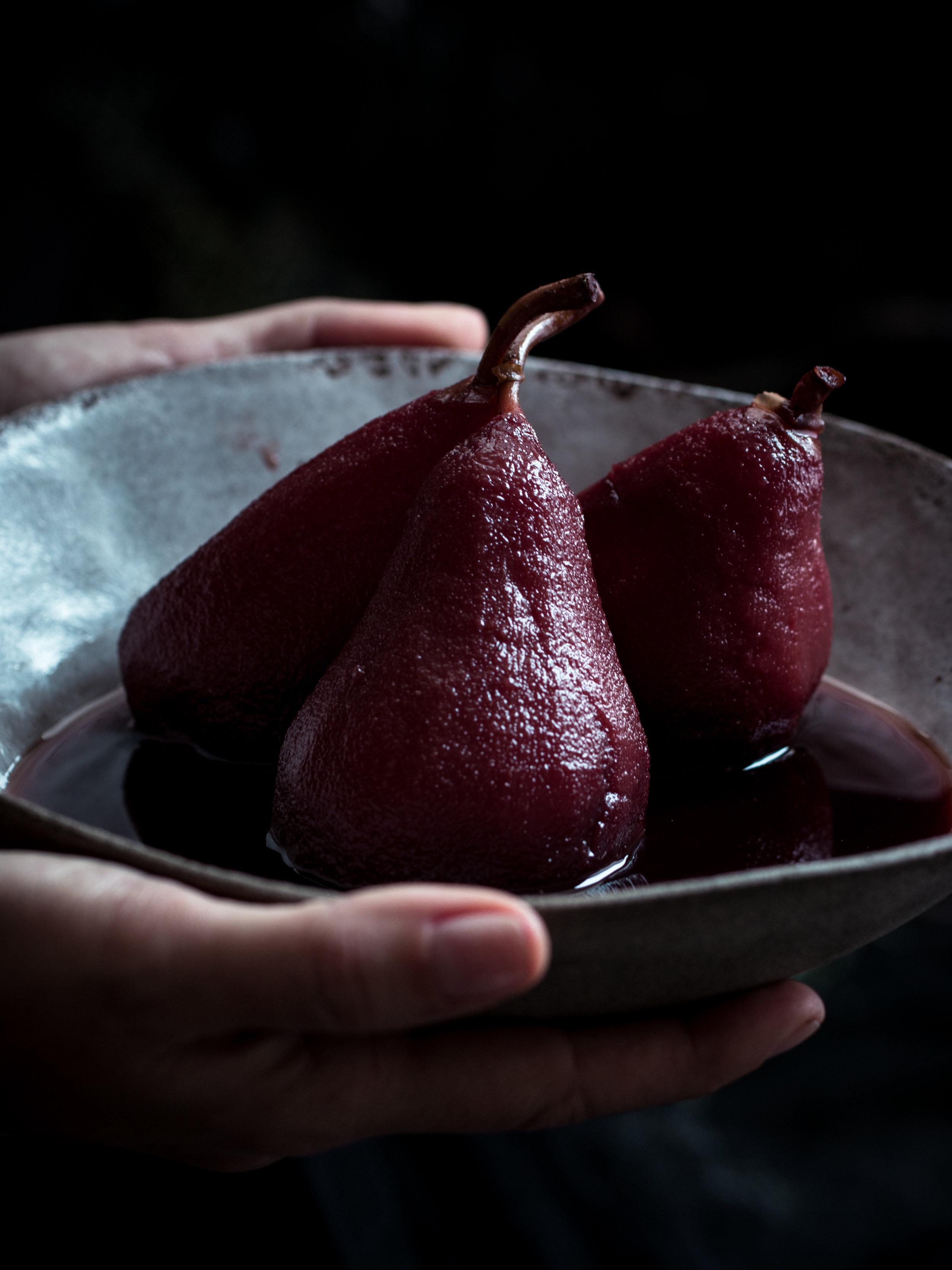 Şaraplı armut tatlısı