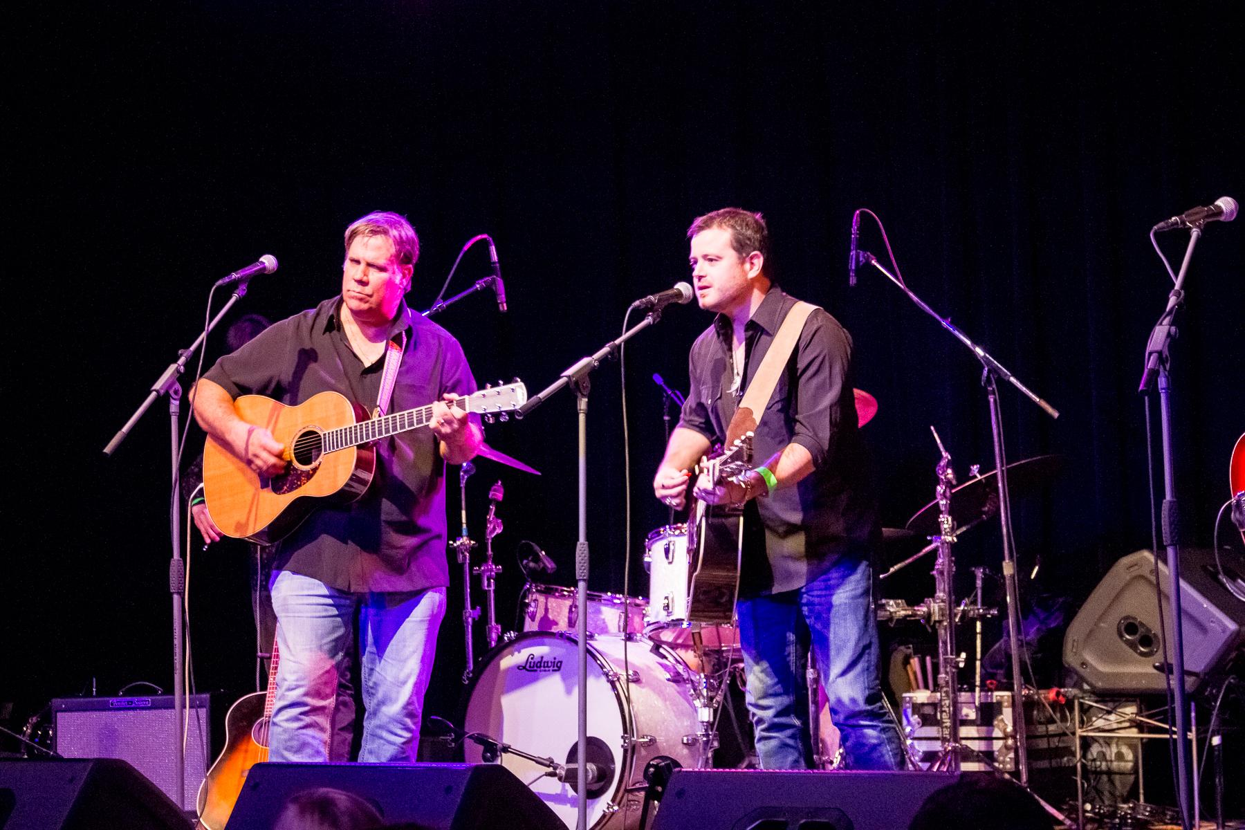 George Dunham and Wade Bowen perform at JubJam 2016, benefiting Senior Source.