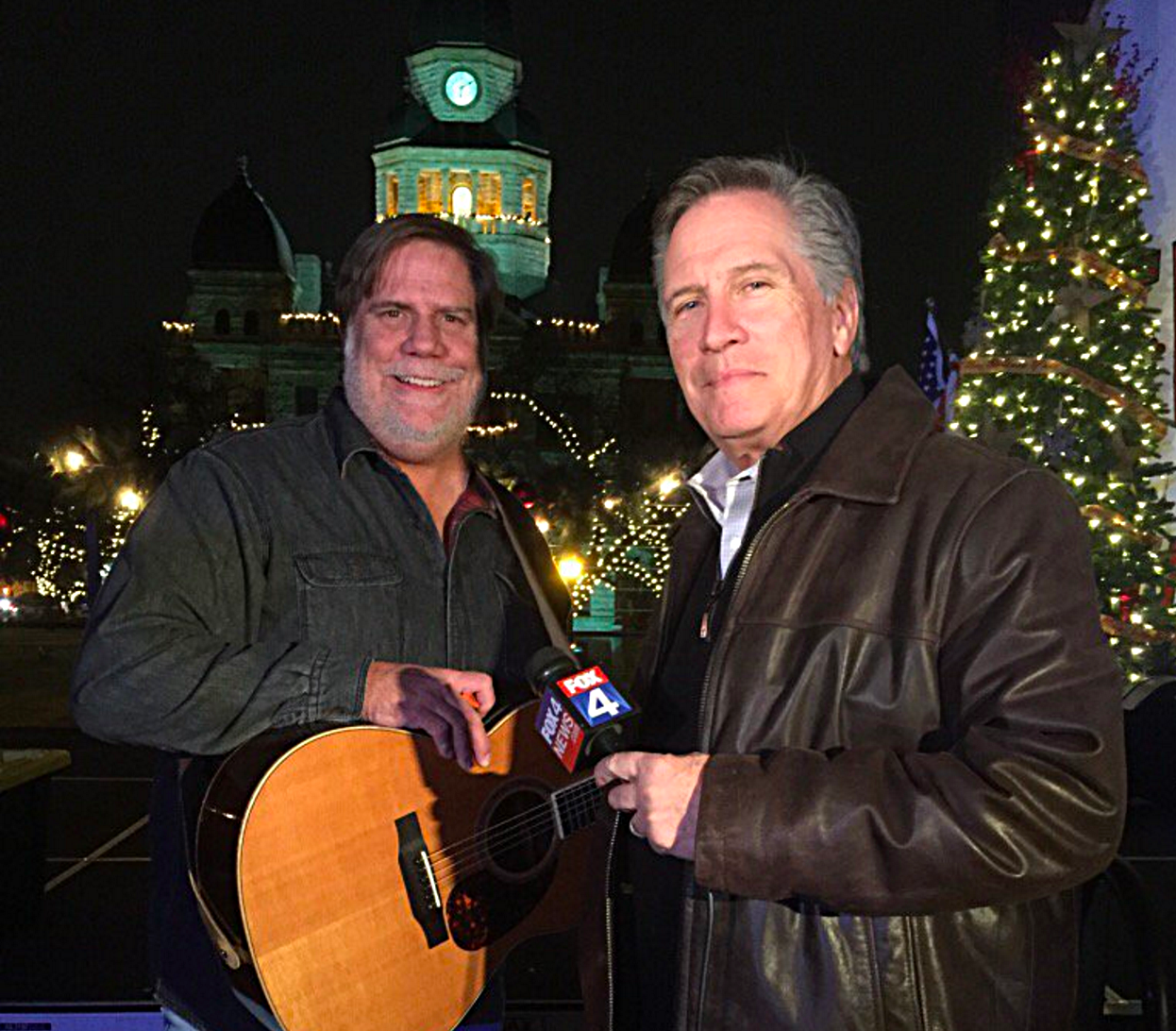 George Dunham and Fox4's Mike Doocy at the 2016 Serve Denton benefit concert.