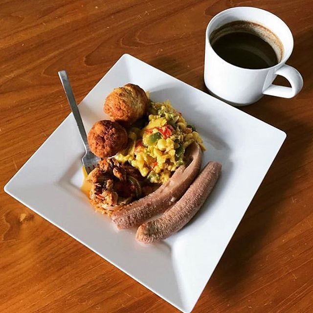 Counting down days till #Apt5CinJA 🇯🇲🇯🇲🇯🇲 ~ Recapping some of last years meals, dishes and plates - Jamaica's National Dish- Ackee & Saltfish with fried dumpling, boil banana, mackerel and chocolate tea 😋 #apartment5c #comingtojamaica . . . . #jamaica #jamaicanfood #876 #blackfoodbloggers #healthyfood #cooking #homecook #eat #breakfast #foodie #blackfoodie #delicious #jamaican #caribbean #ackeeandsaltfish #ackee #jamaicanbreakfast #chocolate #blackfoodbloggers #plating #frieddumplings #caribbeanfood