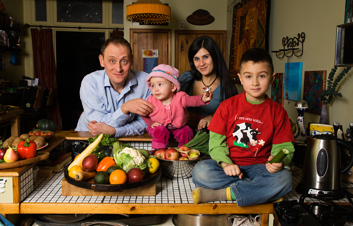 David Farnell and Lulu Cohen-Farnell.  Real Food For Real Kids