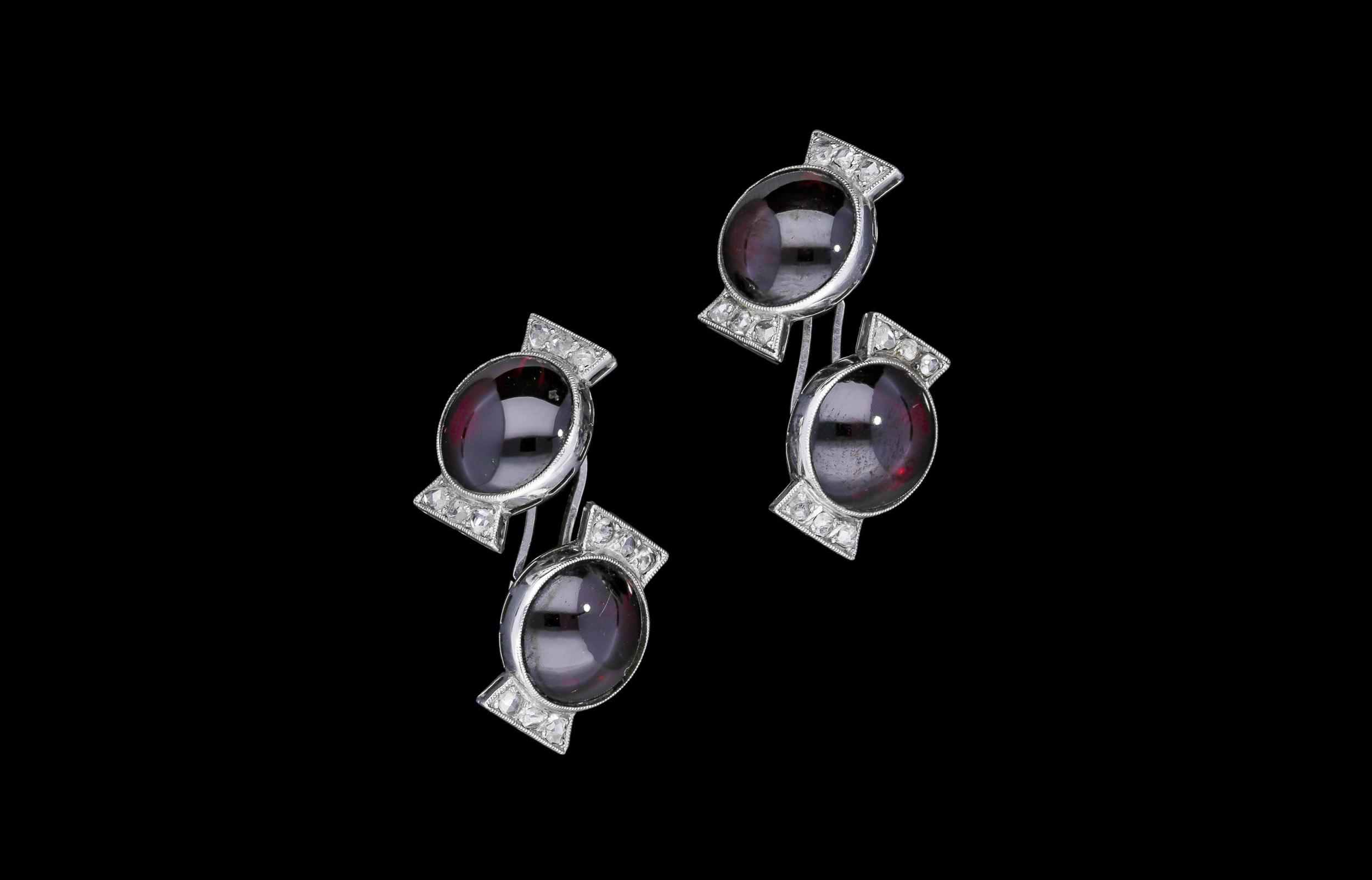 A French Art Deco bon-bon cufflinks | £2850