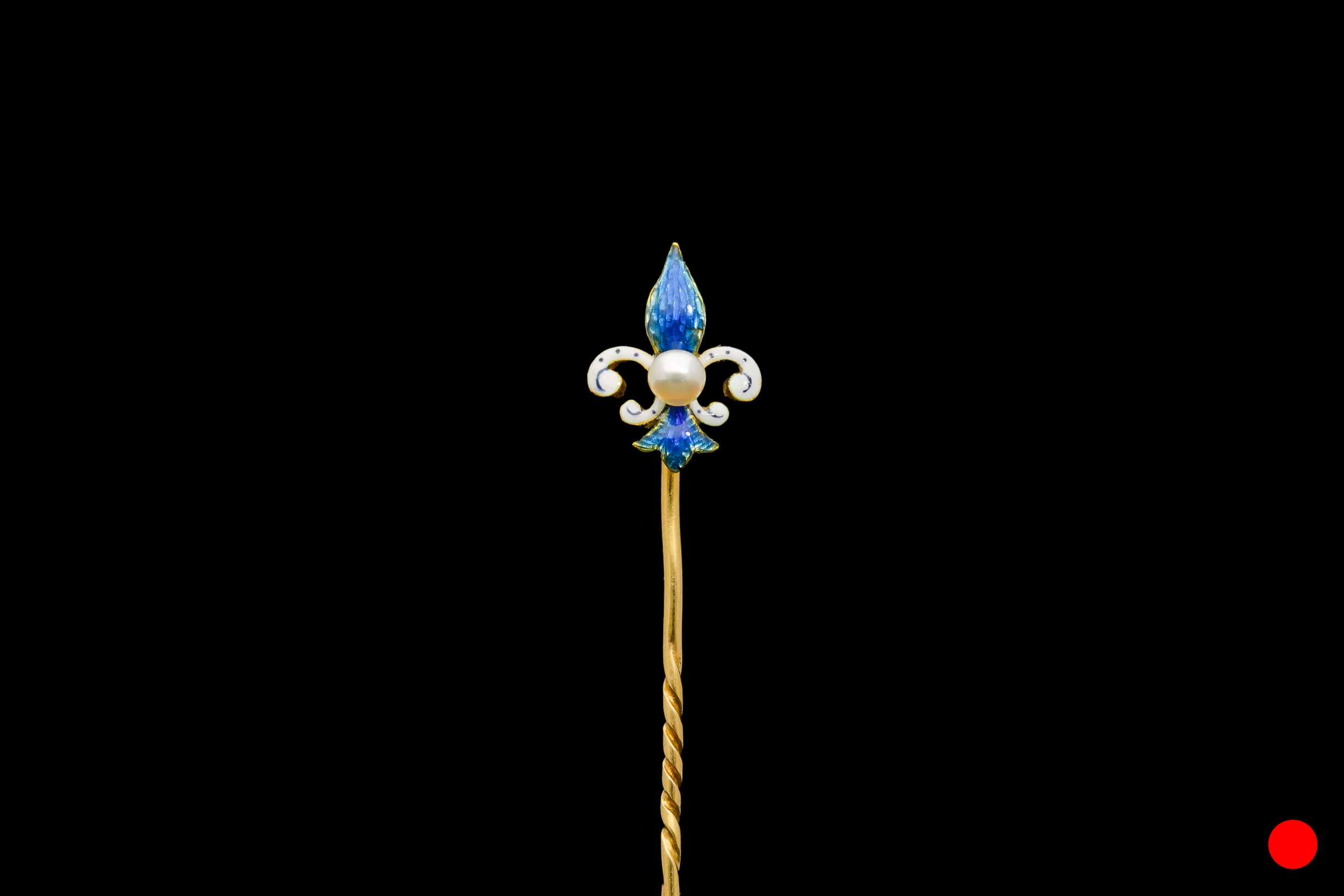 A late Victorian fleur-de-lis stick pin | £830