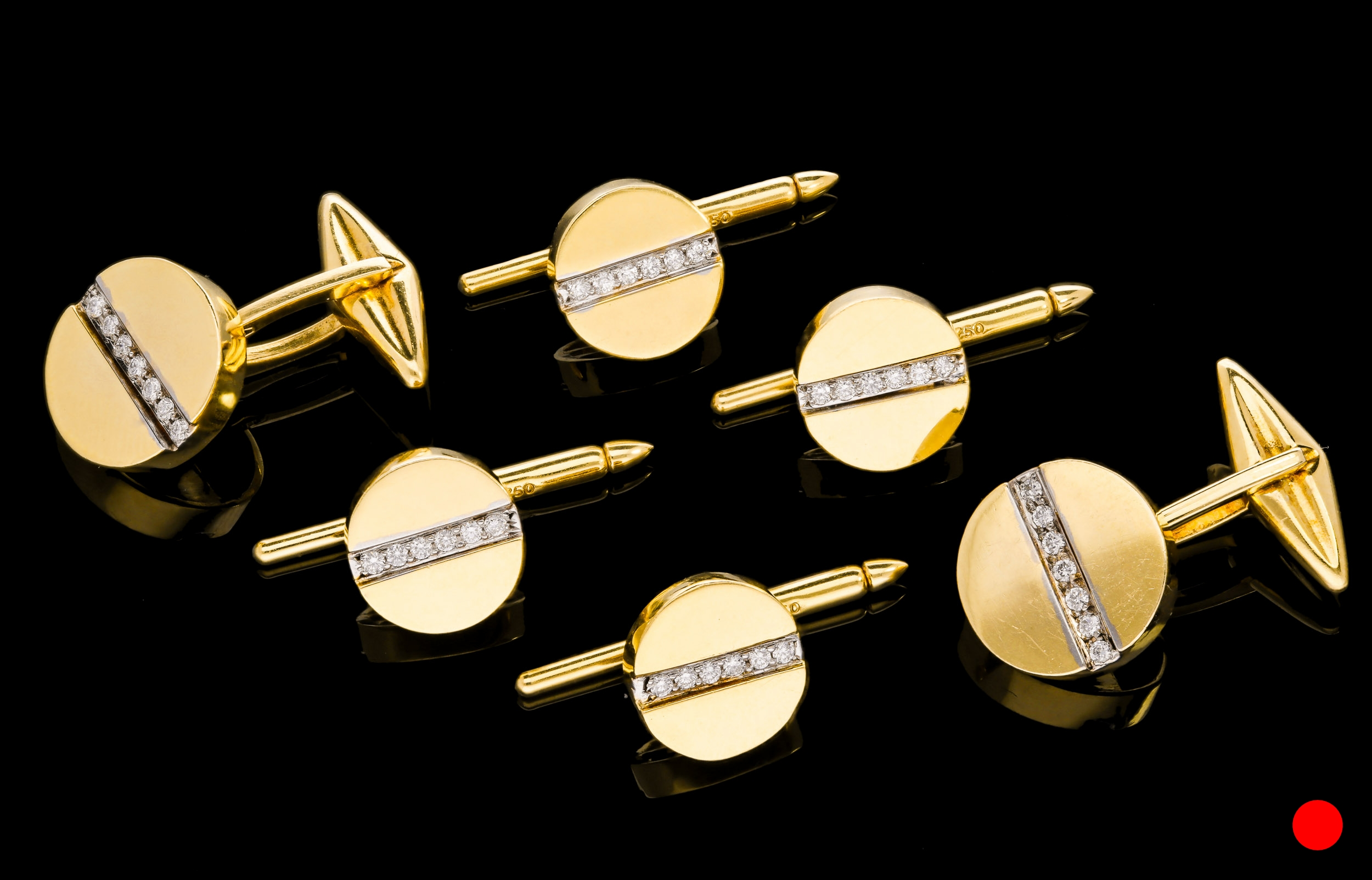 The cufflinks with hinged T-bar fittings |£8500