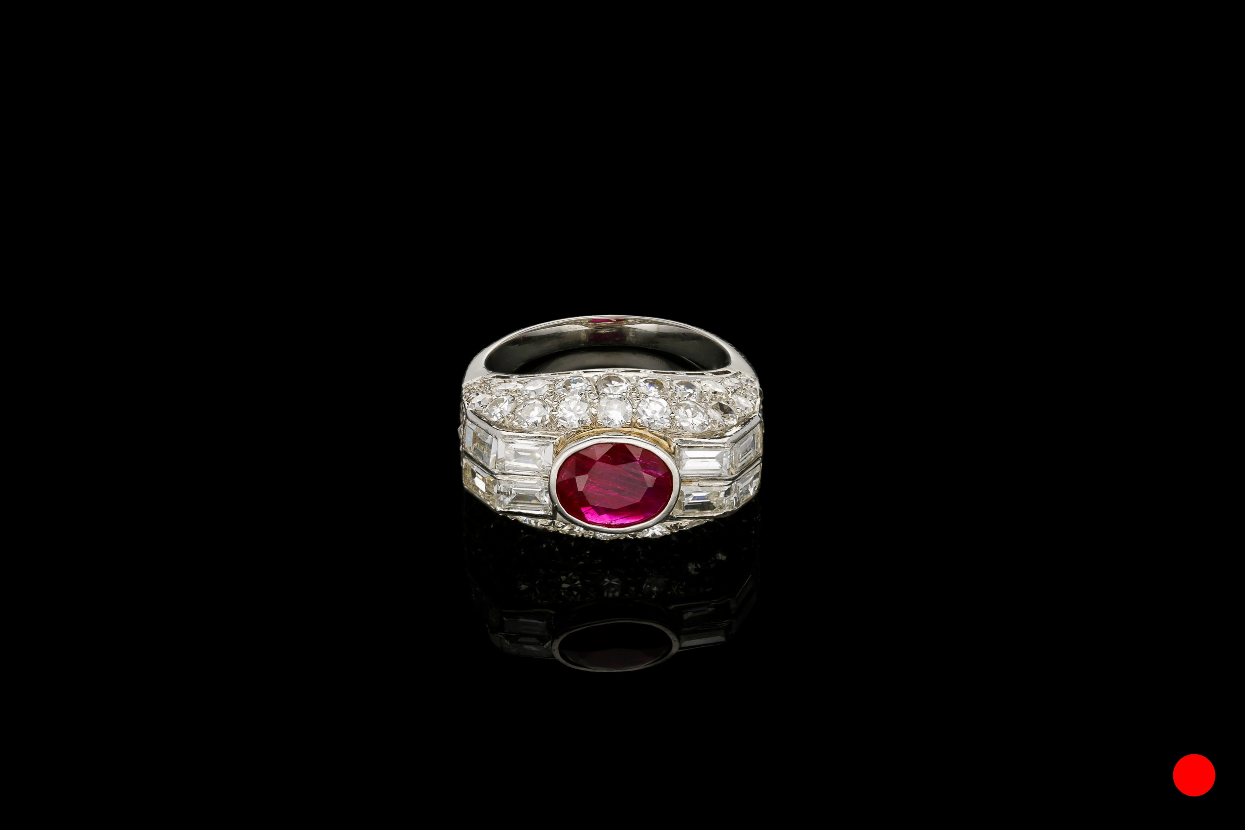 A French Art Deco cocktail ring | £10250