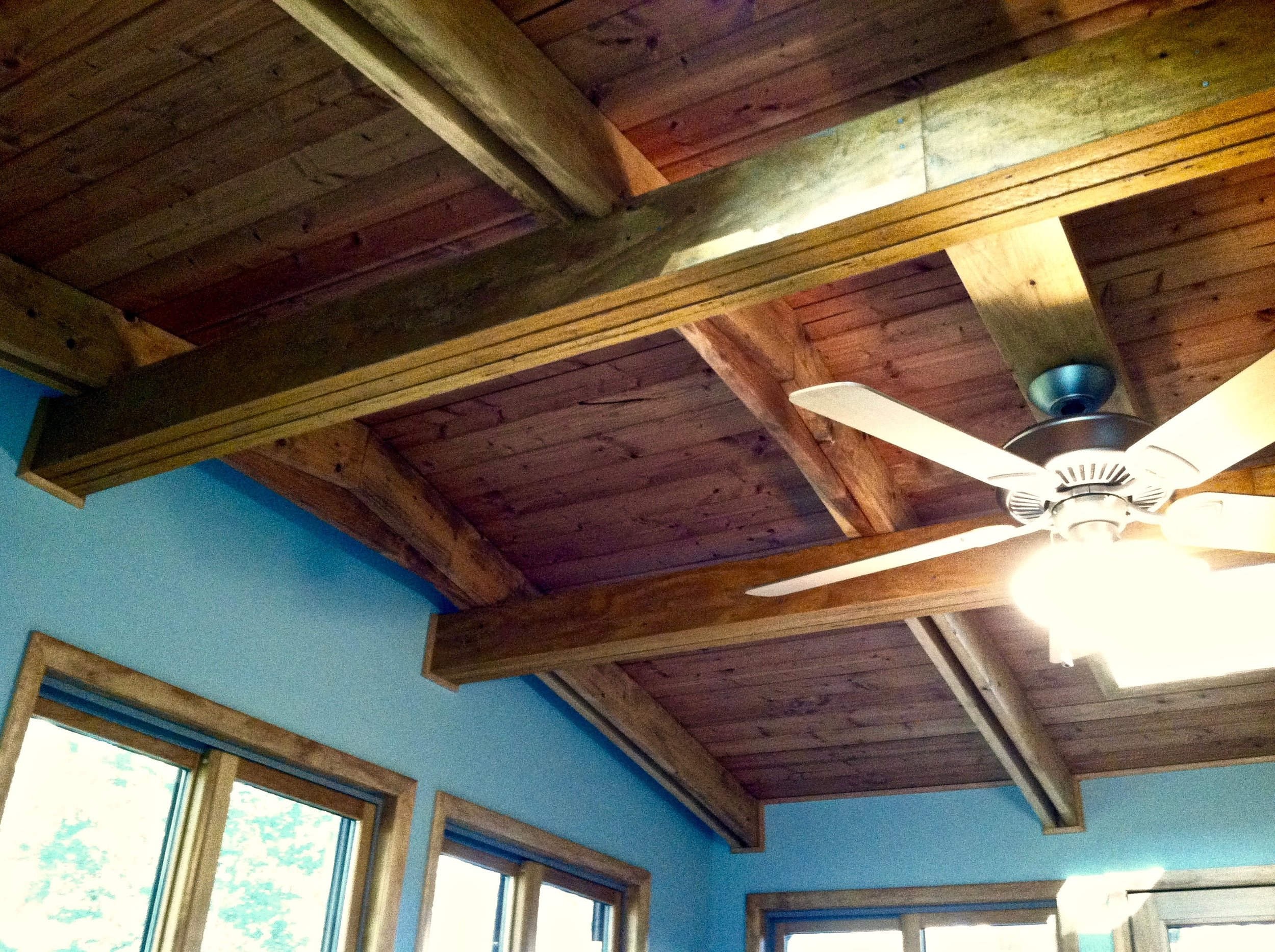 Ceiling featuring exposed beams