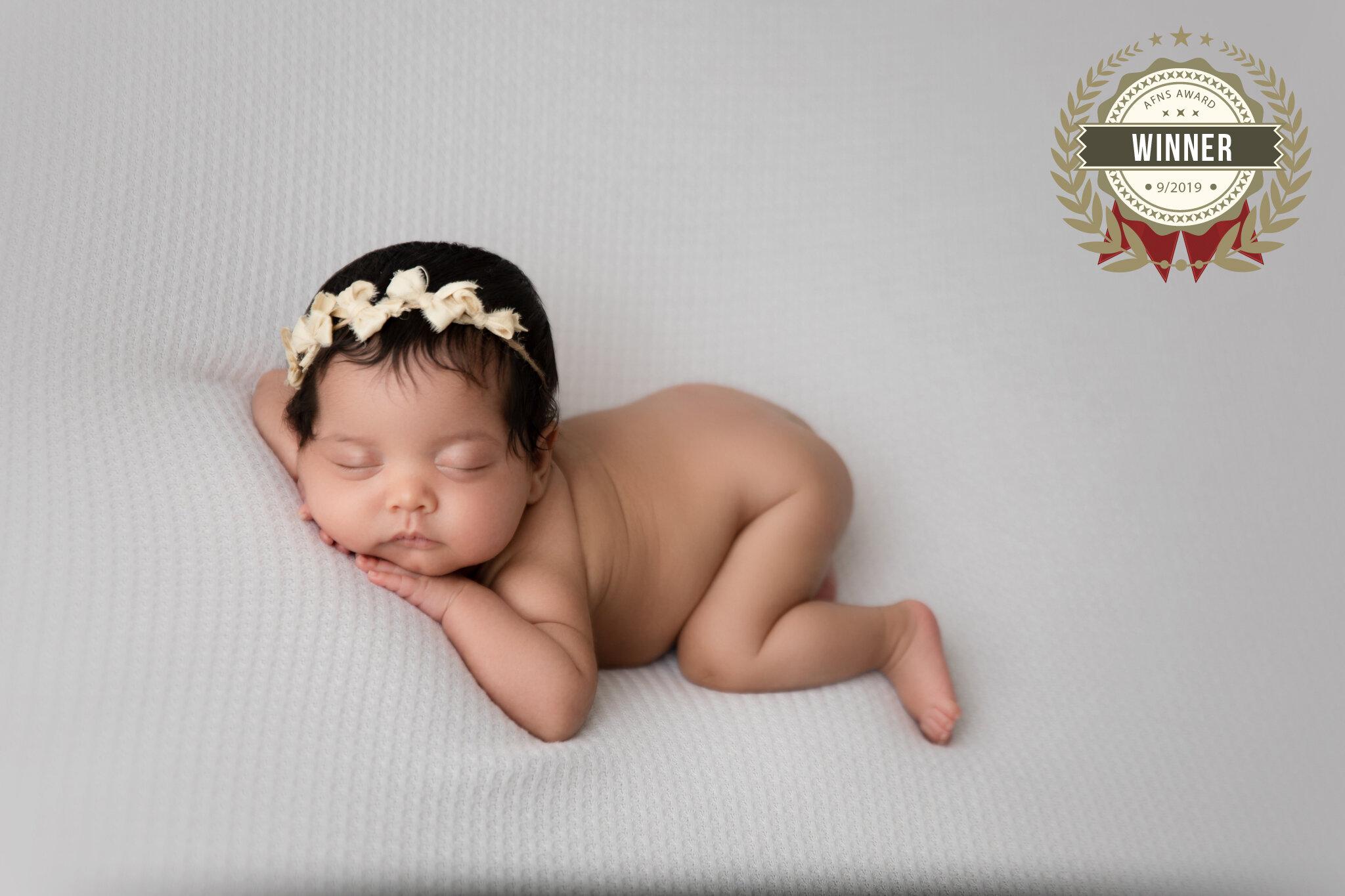 76525714_mia_luna_newborn-257-edit.jpg