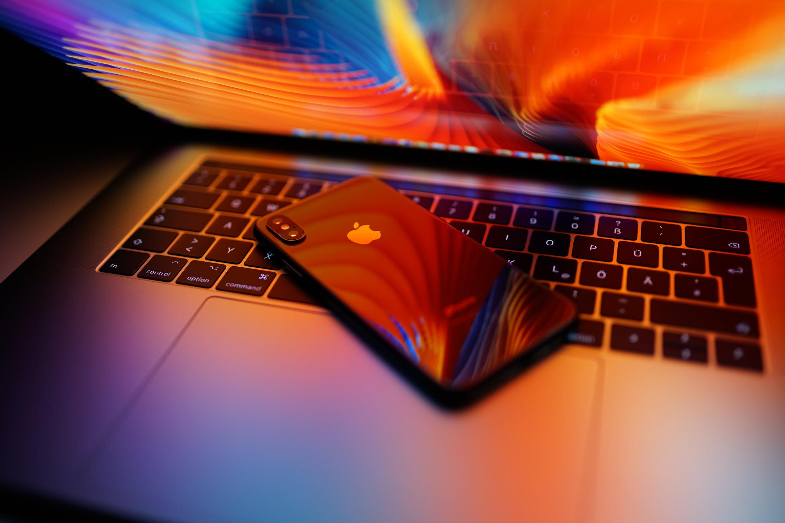 iPhone XS Mac.jpg
