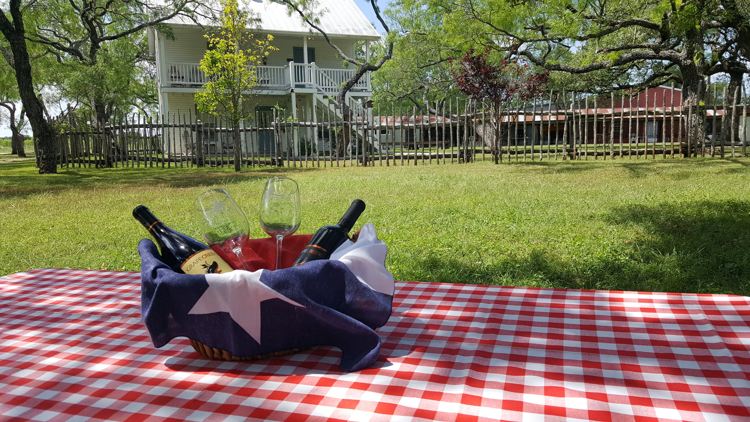 Full Moon Inn Bed and Breakfast Fredericksburg Texas