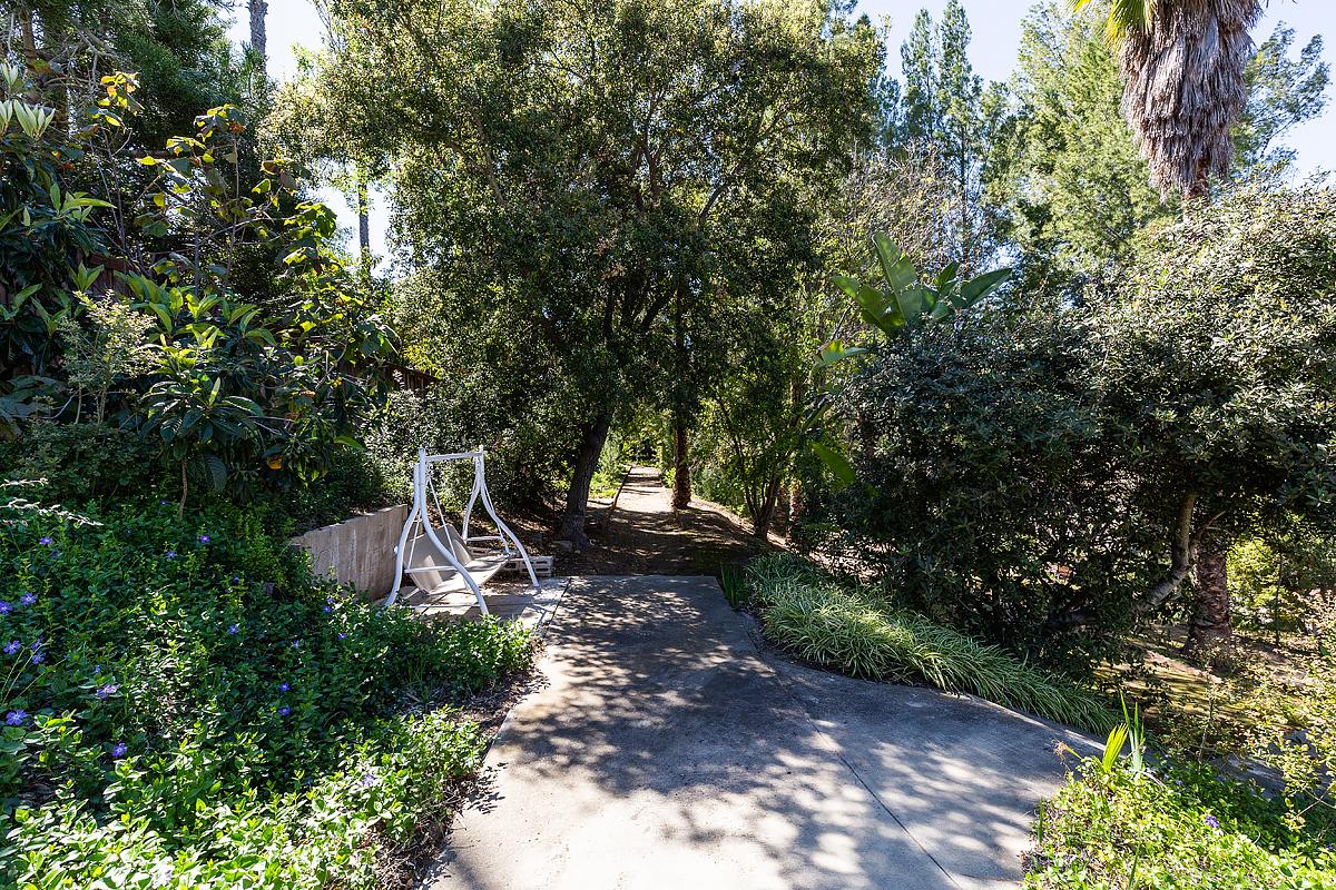 1662 Foothill Blvd_0575.jpg