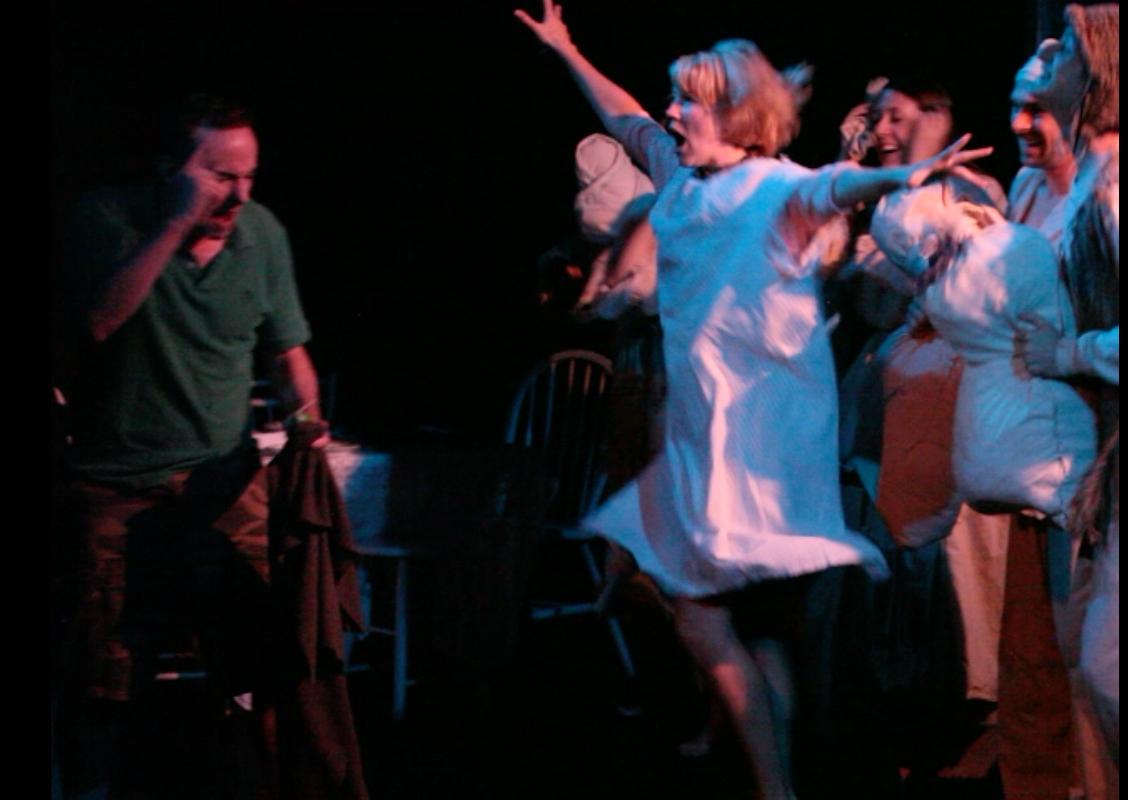 Slain Molly & R w Angels jumping .jpg