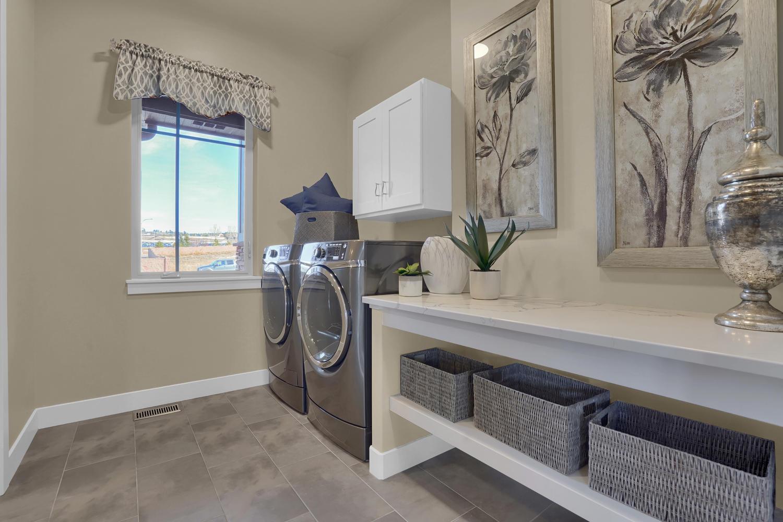 1807 Redbank Dr Colorado-large-004-6-Laundry-1500x1000-72dpi.jpg