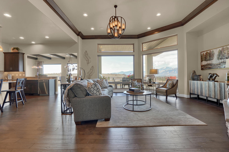 1807 Redbank Dr Colorado-large-013-13-Living Room-1500x998-72dpi.jpg