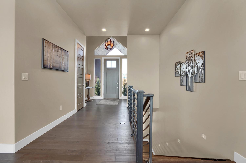 1807 Redbank Dr Colorado-large-015-14-Hallway-1500x998-72dpi.jpg