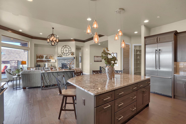1807 Redbank Dr Colorado-large-019-19-Kitchen-1500x1000-72dpi.jpg