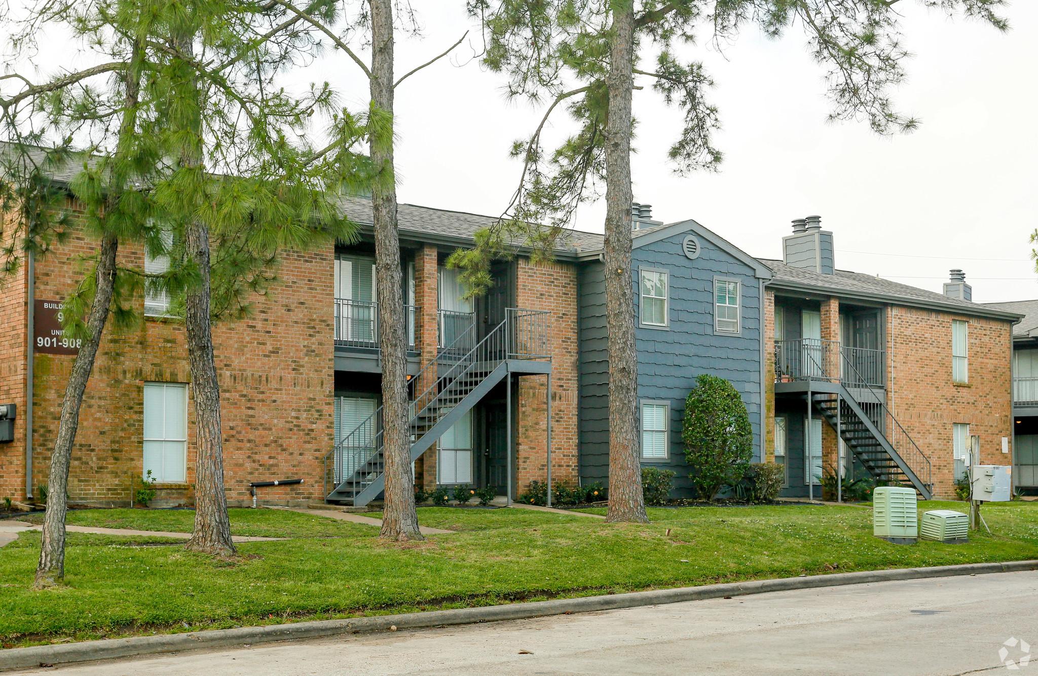 verandas-at-bear-creek-apartments-houston-tx-building-photo.jpg