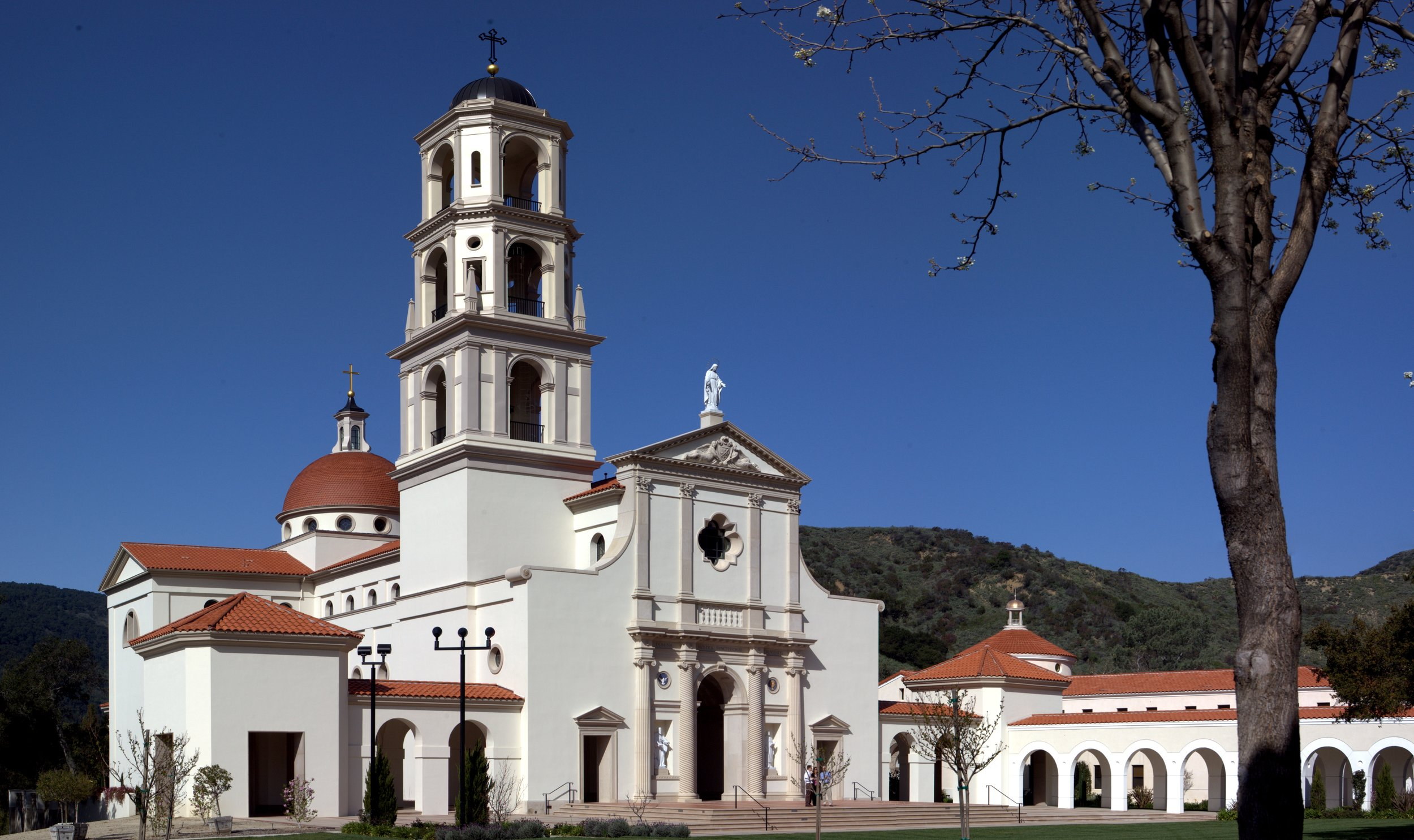 Our Lady of the Most Holy Trinity Chapel at Thomas Aquinas College in Santa Paula, California, built by Duncan Stroik | Photo courtesy of Thomas Aquinas College.