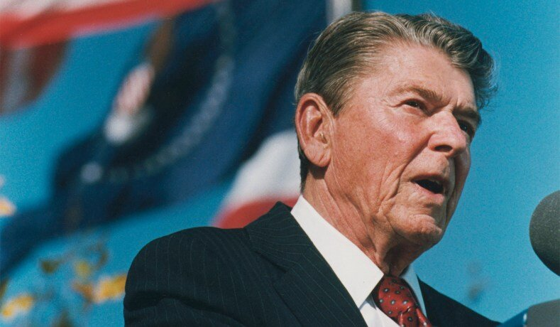 Ronald Reagan giving his farewell address in 1989. || National Review