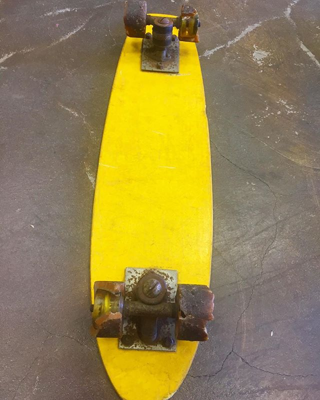 One of the first skateboards from the 60's! Look at those ancient wheels! 🤙  #sustainable #hemp #skate #california