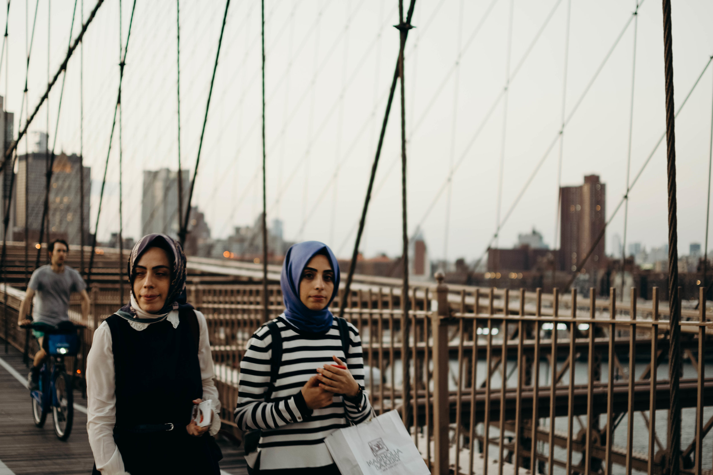 candid_brooklyn_bridge_travel.jpg