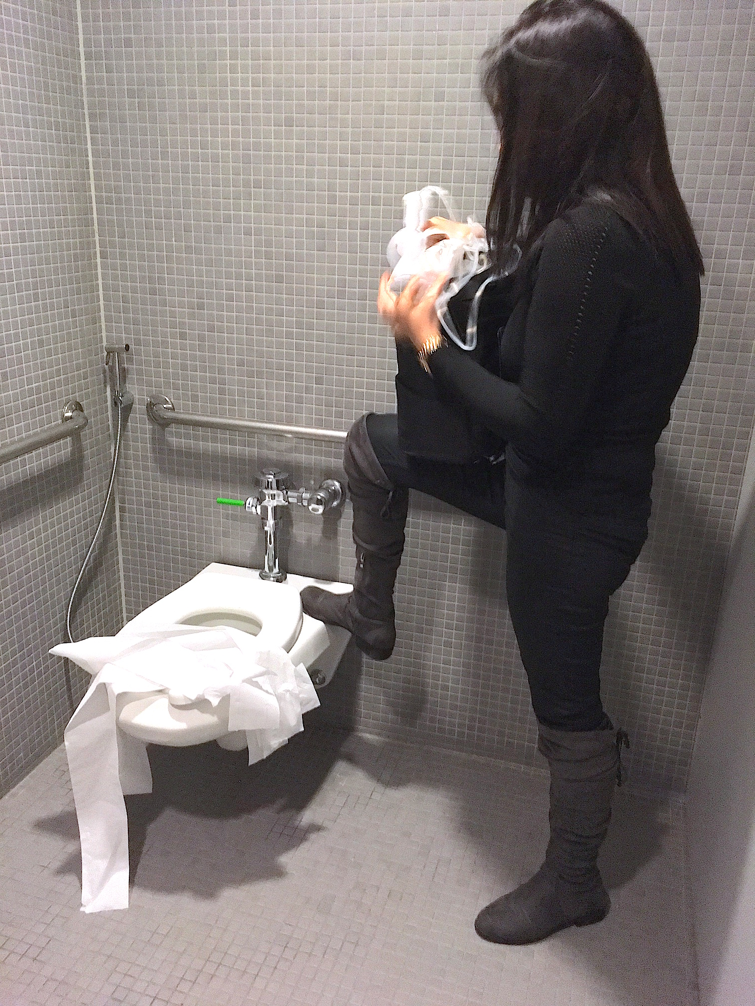 We tested what pumping in a public restroom would look like without the aid of the Mama Shelf. This helped us pinpoint pain points and requirements of the shelf.
