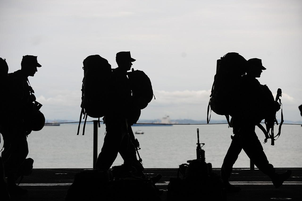 military-men-569899_1280.jpg