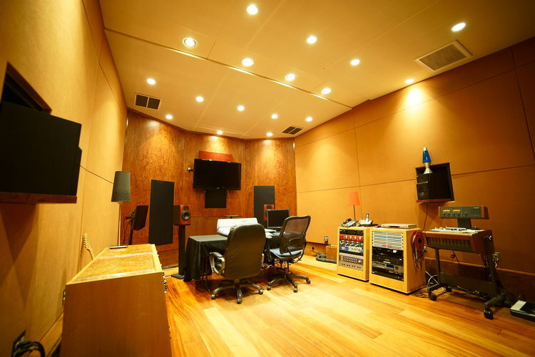 Studio B   Ideal for mixing, mastering, and recording vocals & instruments.