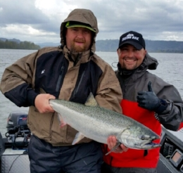 Spring Chinook     April - June   Summer Chinook     July   Fall Chinook     August - October   Columbia River, Lower Snake River, Pasco, Kennewick, Draino Lake, Wind River, Icicle & Wenatchee Rivers,   Ridge field area, Woodland area and below Bonneville dam