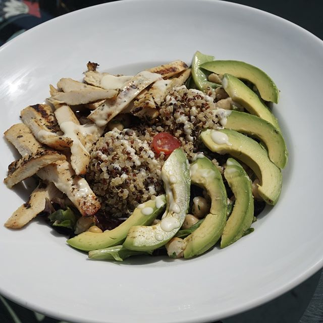 Your new favorite lunch is served  Try all of our protein bowls at lunch!  Chicken Protein Bowl avocado, quinoa, chickpea salad w. mixed greens...YUM    #tequesta #tequestafl #tequestaflorida #tequestalife #jupiter #jupiterfl #jupiterflorida #jupiterlife #familyowned #familyownedbusiness #familyownedandoperated #familyownedrestaurant #familyownedbiz #restaurant #restaurants #foodie #foodstagram #foodgram #foodography #foodoftheday #foodpic #foodpics