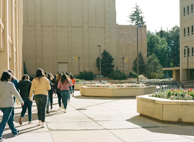 girls_campus_women_in_wyoming_university_of_wyoming_laramie_06.jpg