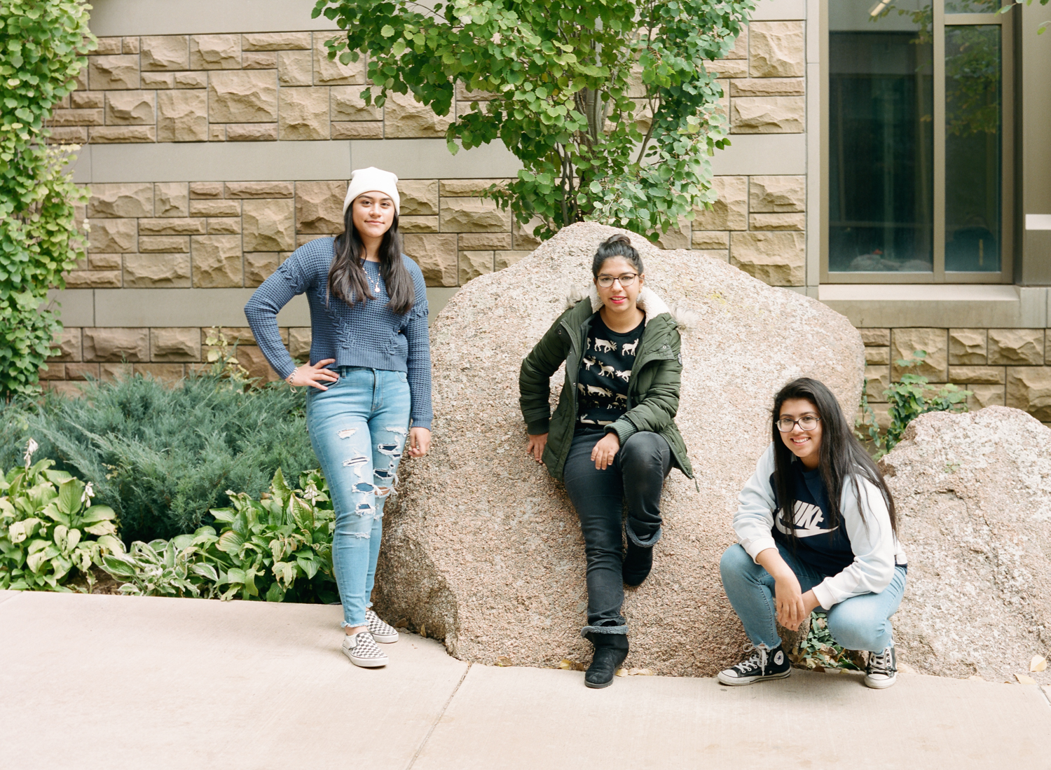 ylc_women_in_wyoming_laramie_university_of_wyoming_marycruz_carmen_raquel.jpg
