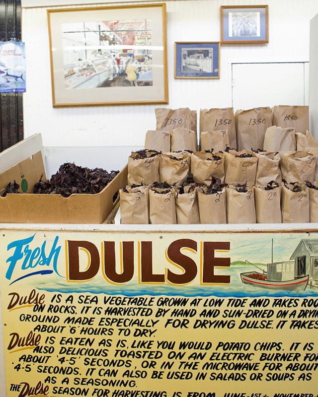 I'm a maritimer at heart. I grew up eating dulse by the bag full and was so excited when I started learning about all of the health benefits of seaweeds, especially when it comes to our endocrine system. Tomorrow, I have asked my colleague (and former university roomie!) @drlipinski to help answer any questions you may have about #thyroid health on my stories. It's the primary focus of her Toronto based practice. Ask your questions below in the comments or in my story prompt.