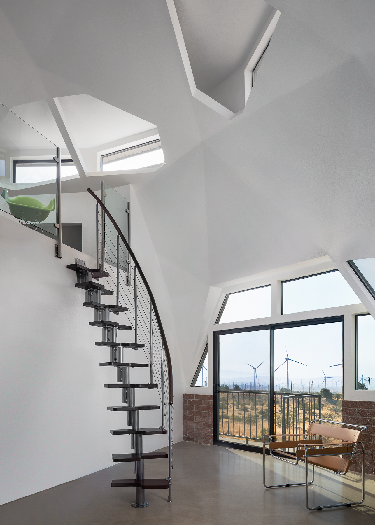 Geodesic Staircase