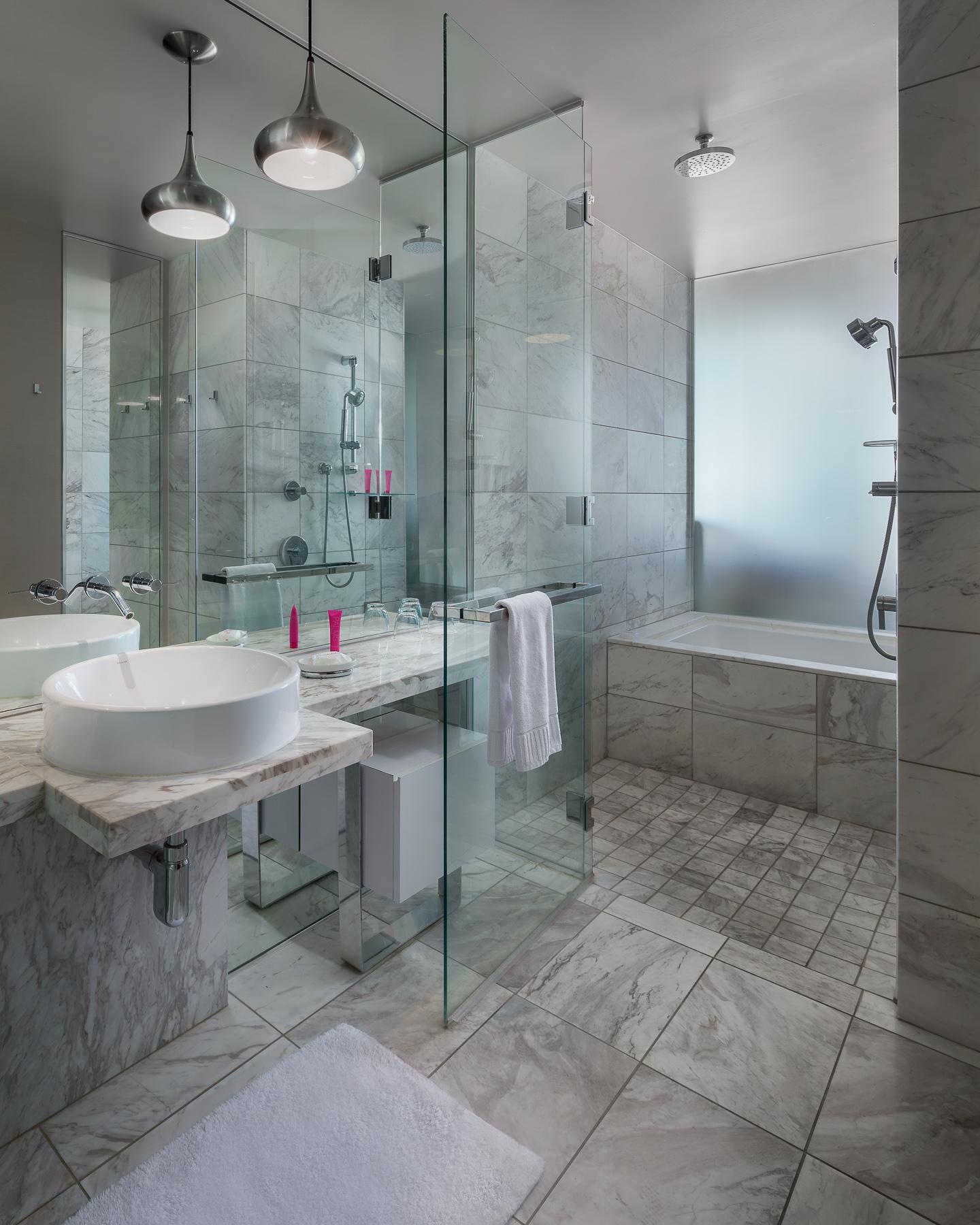 Palms Place Bathroom