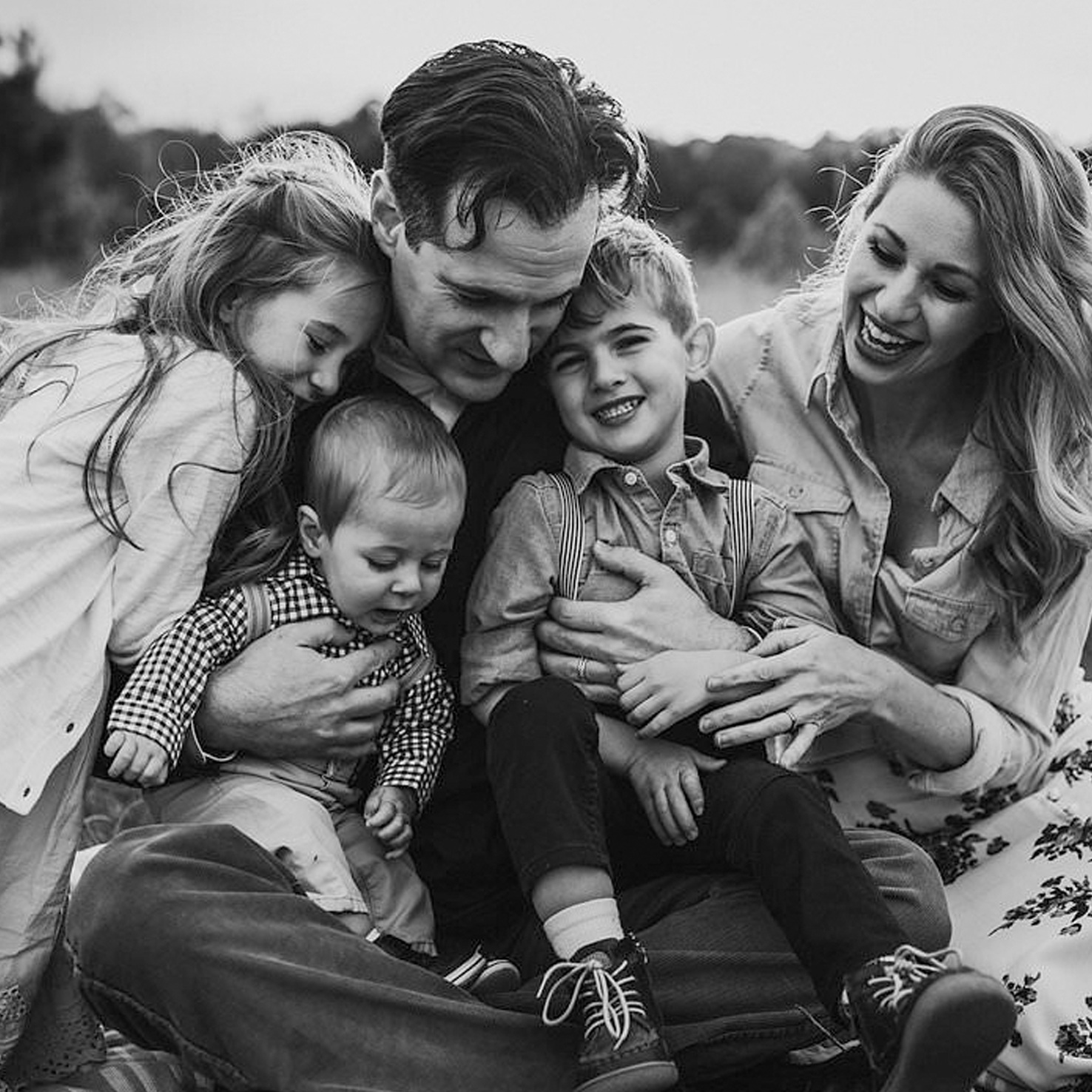 The Full - Your family - beautifully captured. Includes Complimentary Styling service, Custom Video Slideshow, Digital Prints & Print Credit