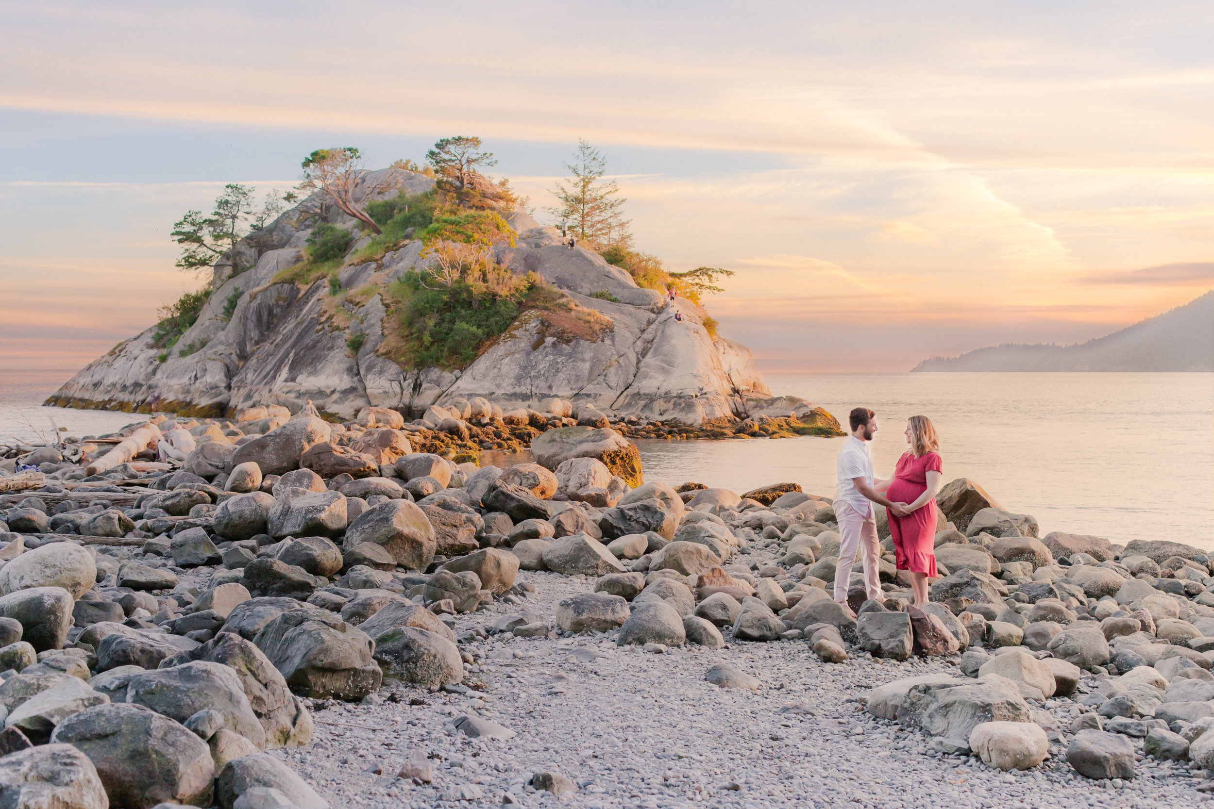 Whytecliff Park Maternity Photos-1.jpg