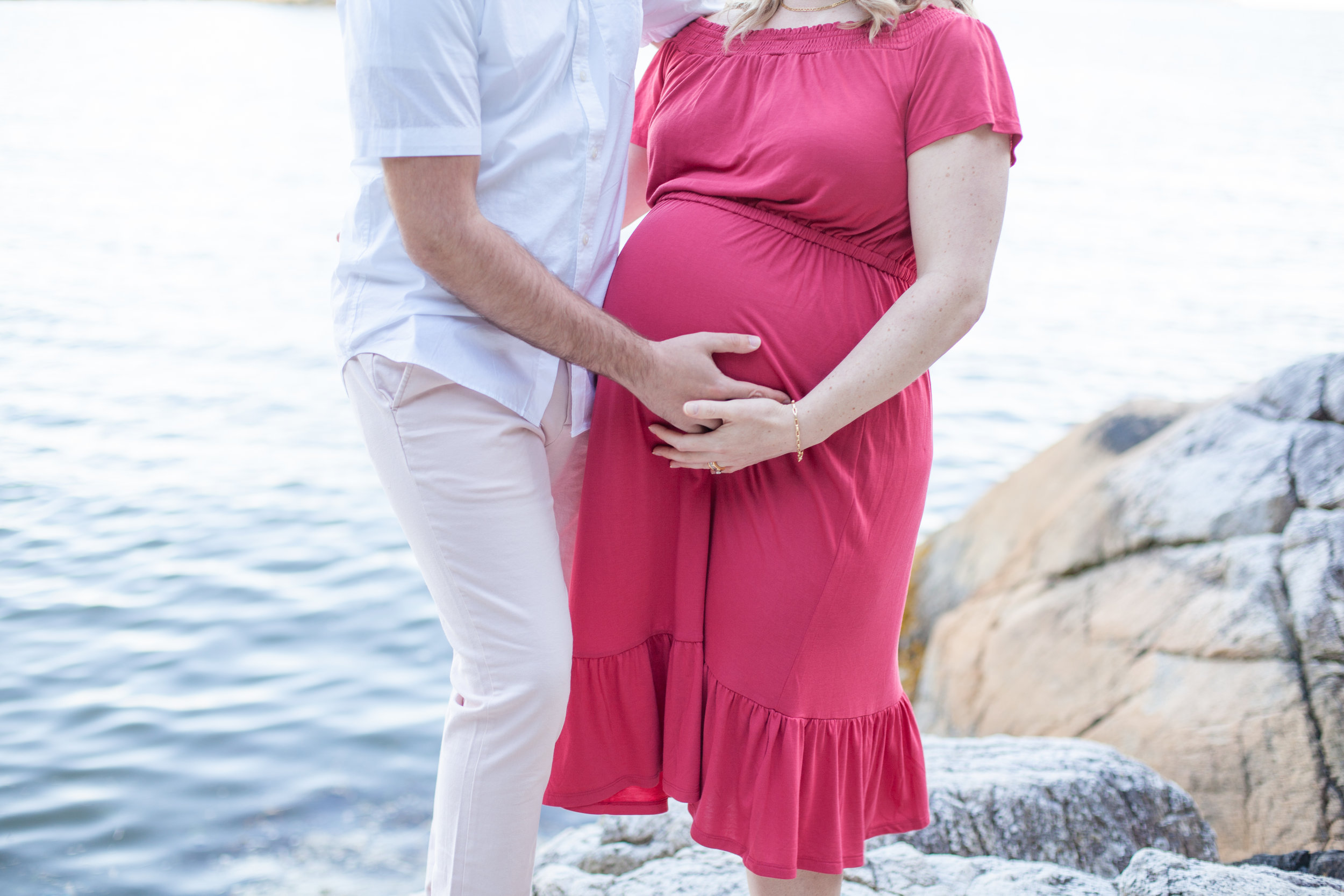 Whytecliff Park Maternity Photos-22.jpg