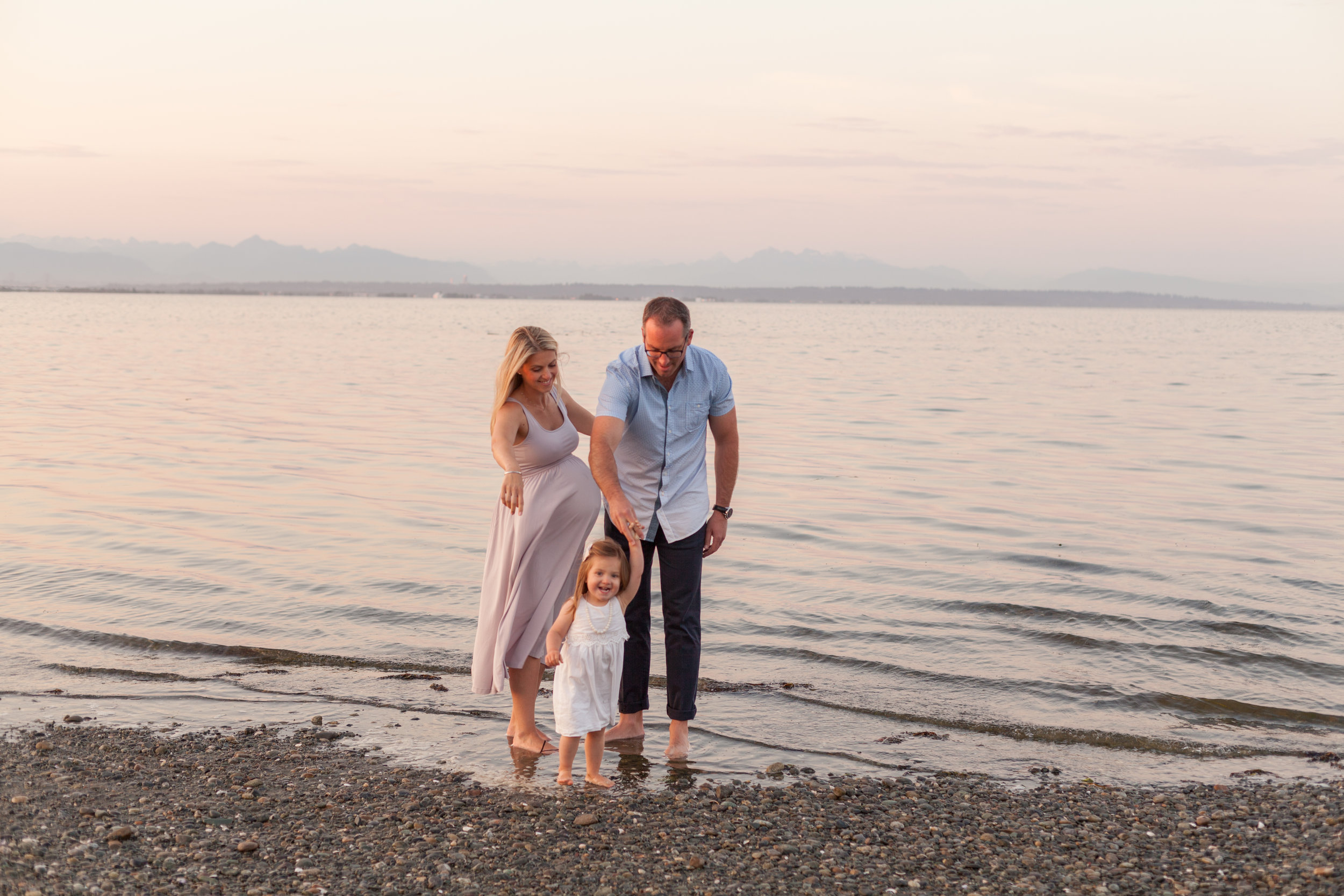Centennial Beach Maternity Photos-5.jpg