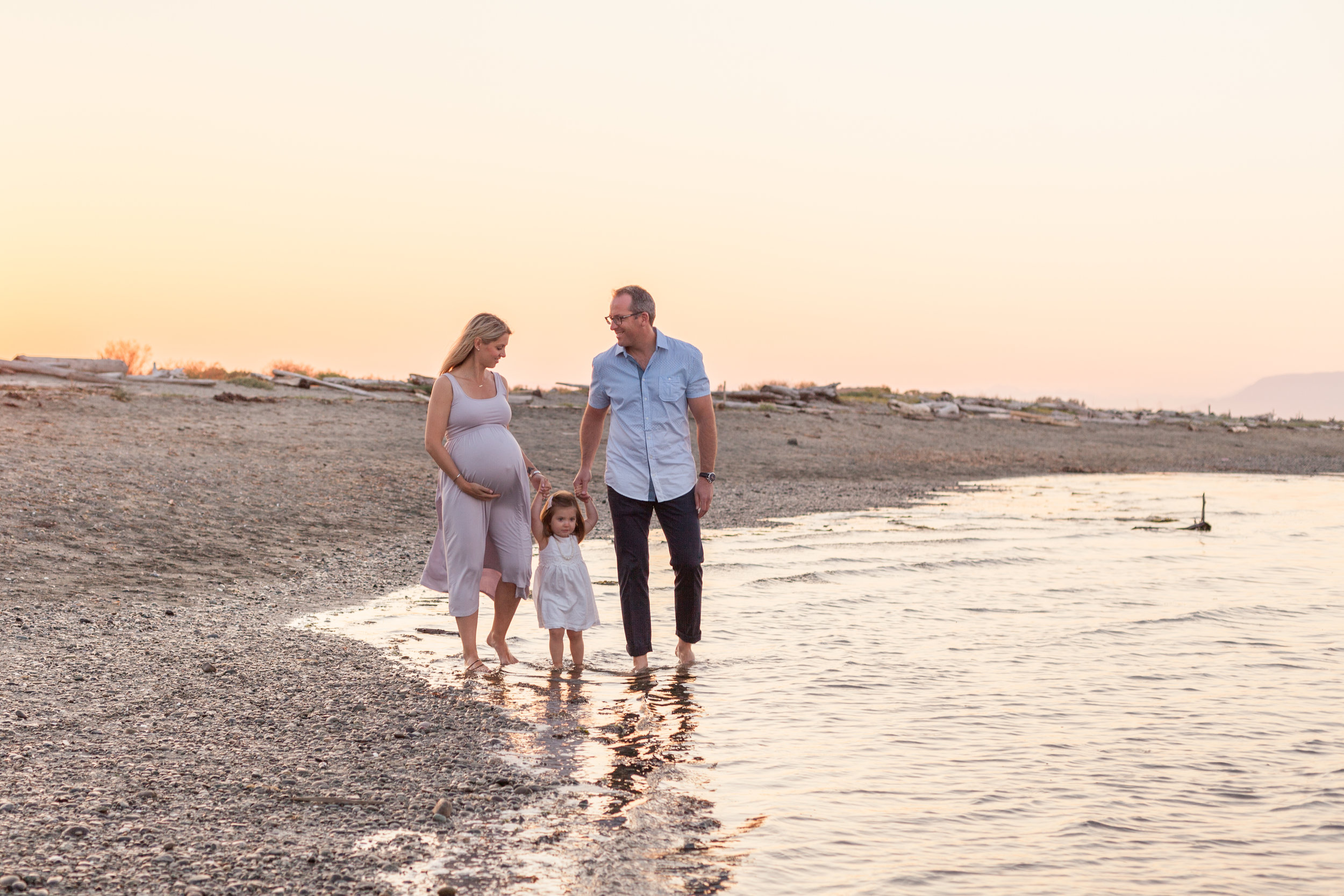 Centennial Beach Maternity Photos-7.jpg