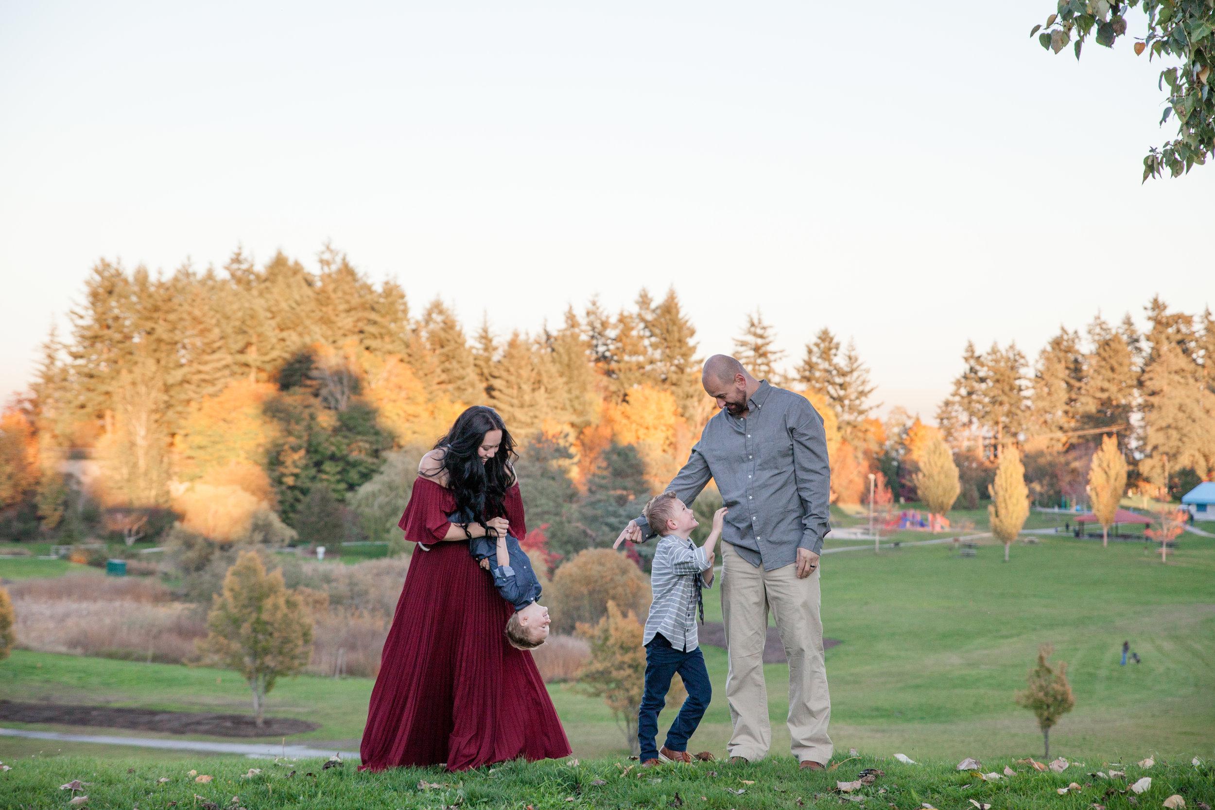 Diefenbaker Park Family Photos 2018-4.jpg