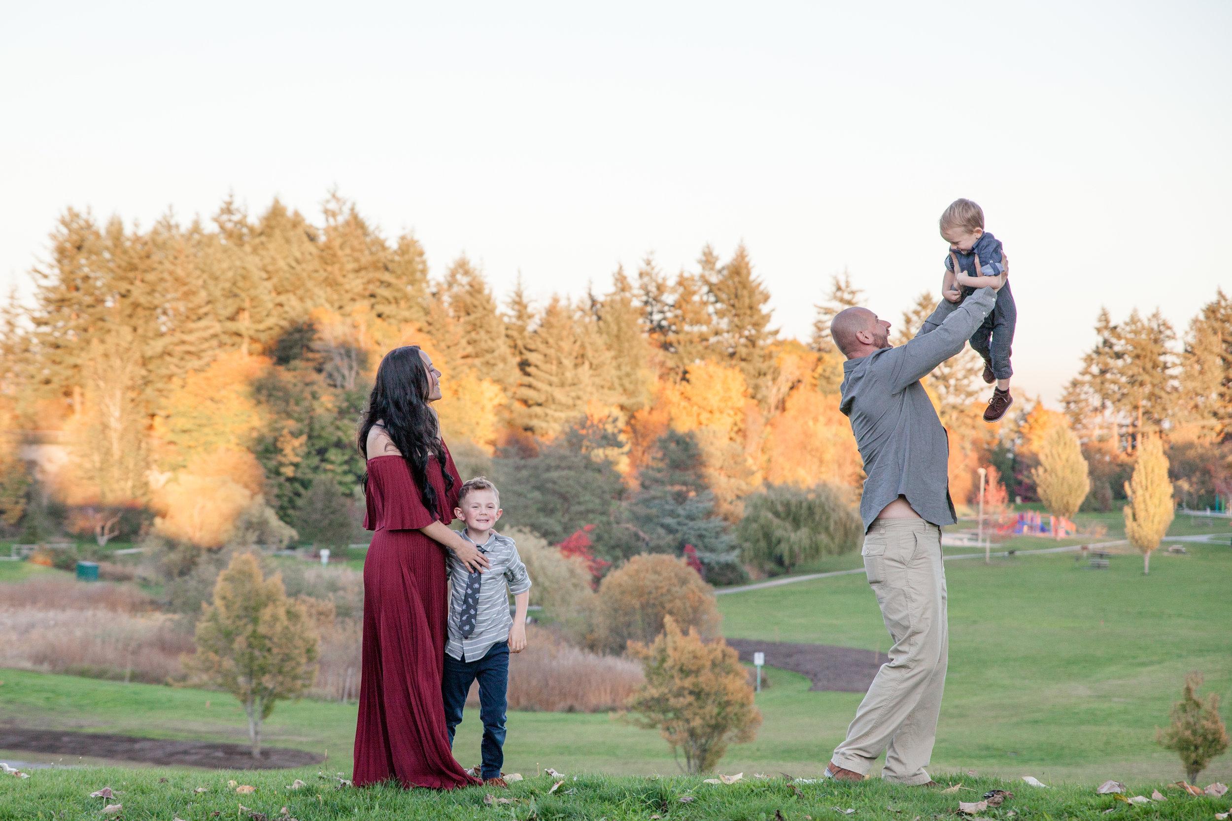 Diefenbaker Park Family Photos 2018-7.jpg