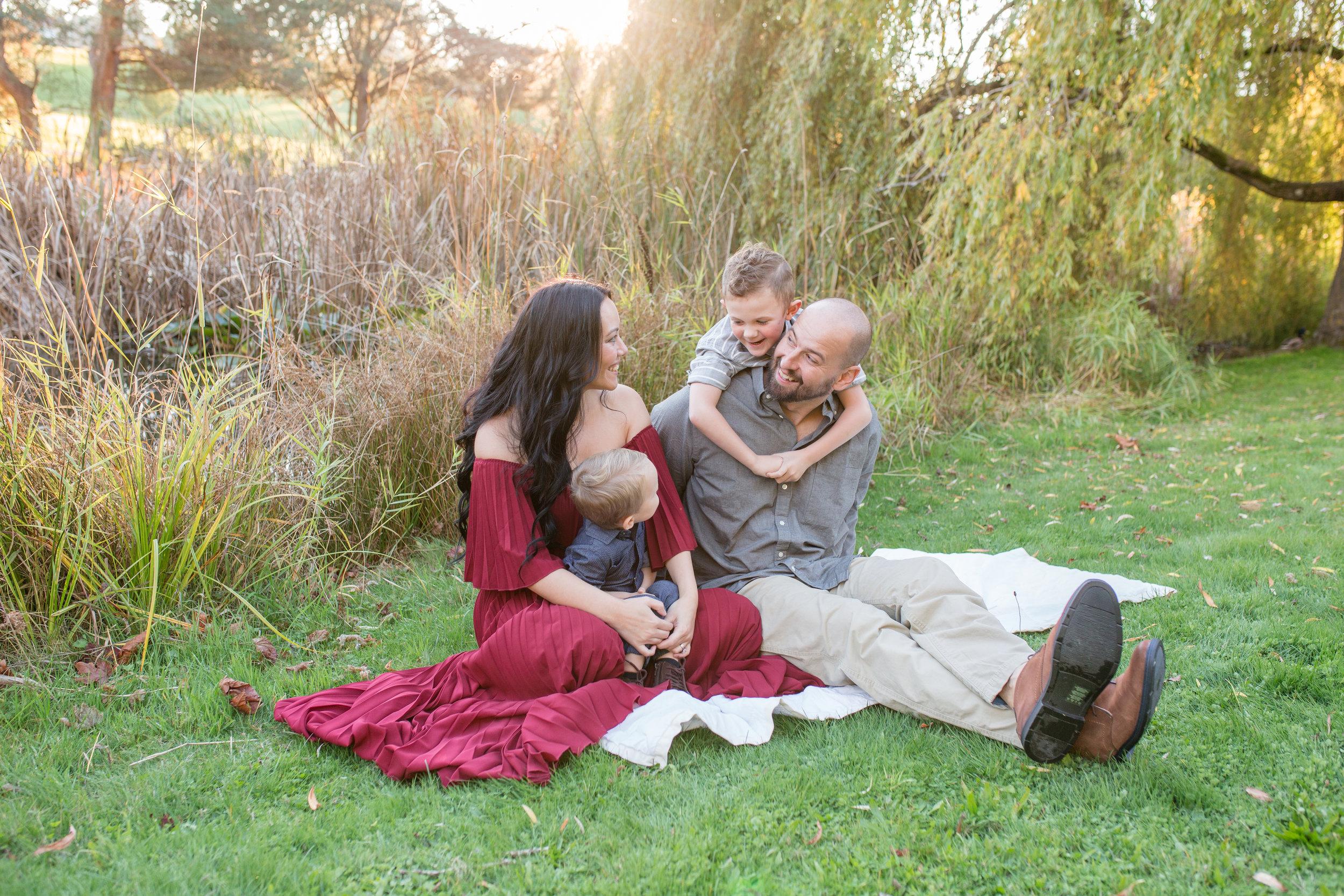 Diefenbaker Park Family Photos 2018-30.jpg