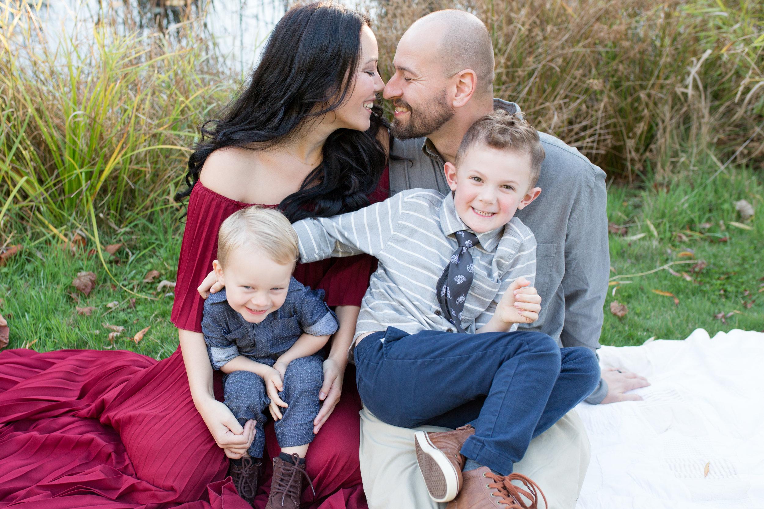 Diefenbaker Park Family Photos 2018-33.jpg