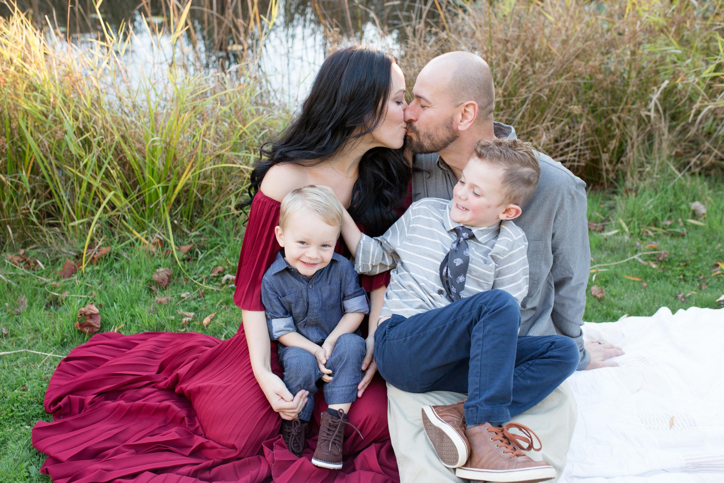 Diefenbaker Park Family Photos 2018-34.jpg
